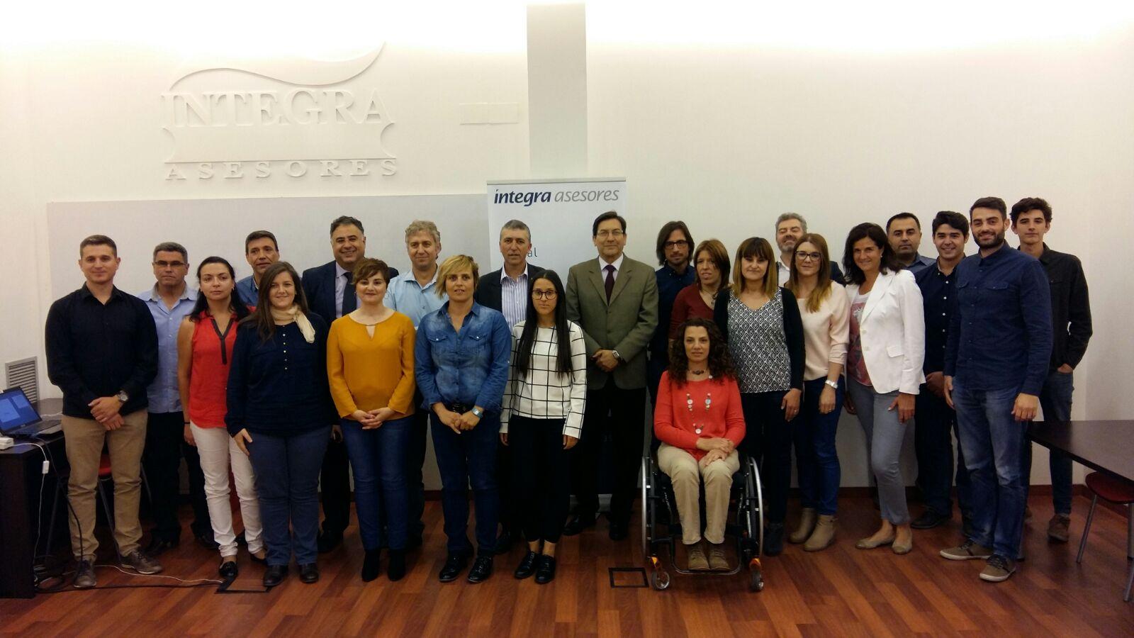 """Climent visita dos cooperatives a Elda i Villena i destaca la importància del cooperativisme i l""""economia social a l""""Alt Vinalopó"""