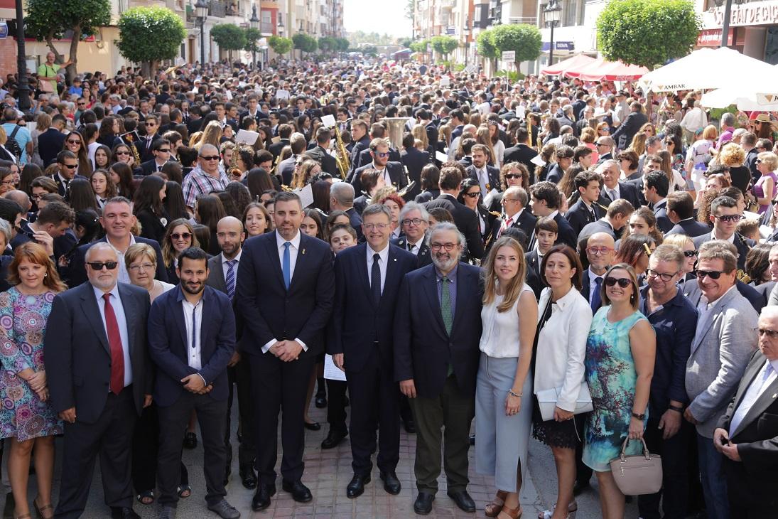 Puig expresa la voluntad de la Generalitat de trabajar conjuntamente con las sociedades musicales