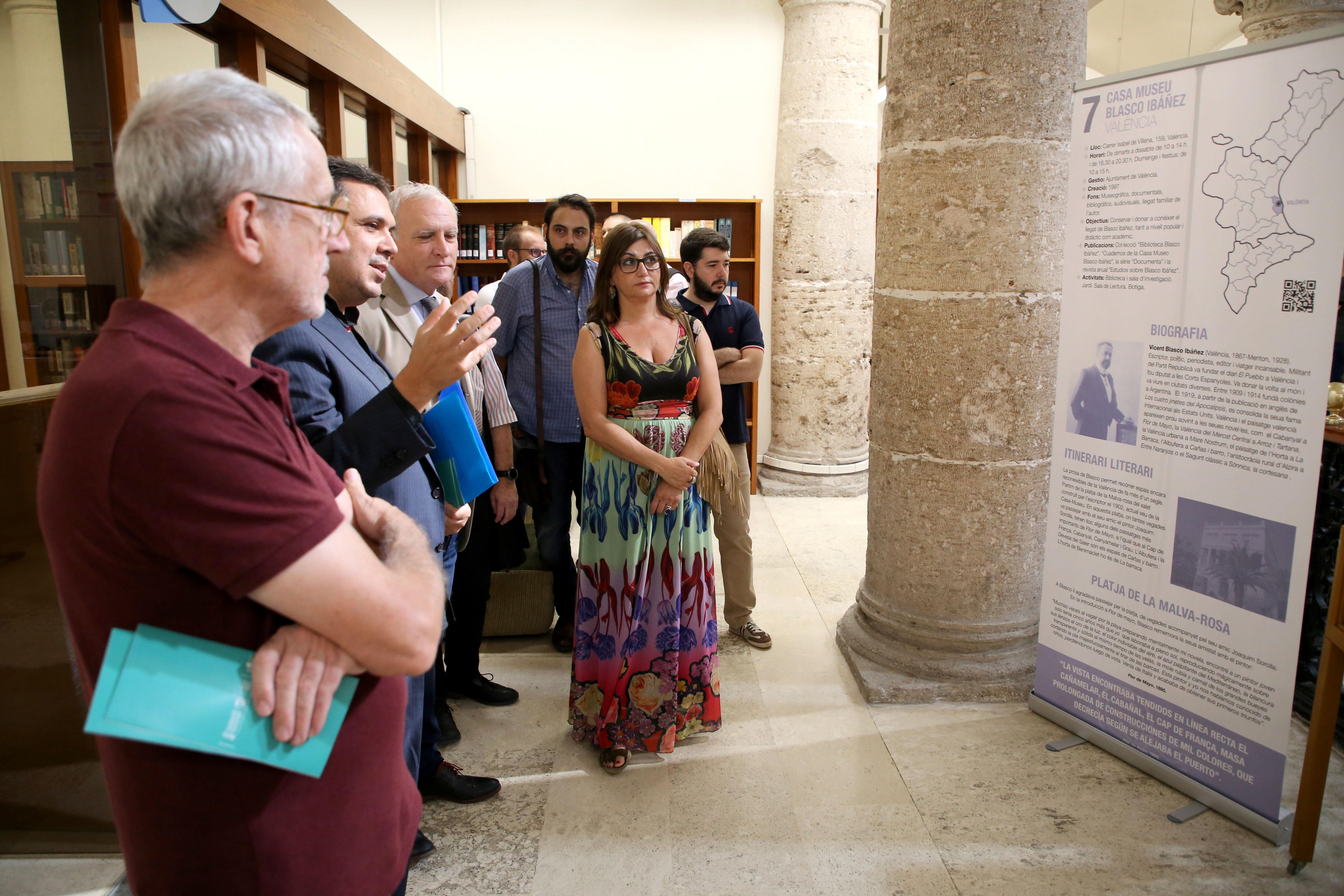 """Cultura presenta """"Viatja Llibre / Viatja Lliure"""" per a fomentar la lectura d""""escriptors valencians i difondre el patrimoni cultural"""