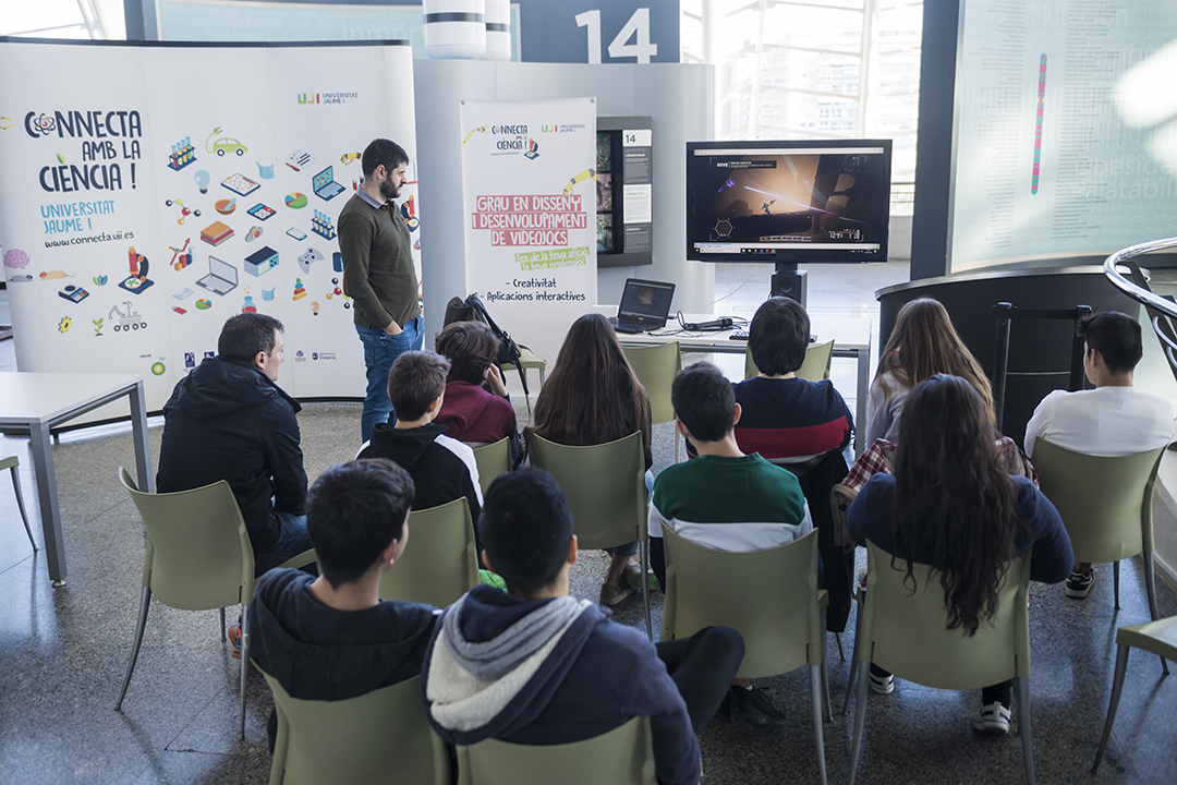 Més de 20 estudiants participen en els tallers científics del Museu de les Ciències impartits per professors de la Universitat Jaume I