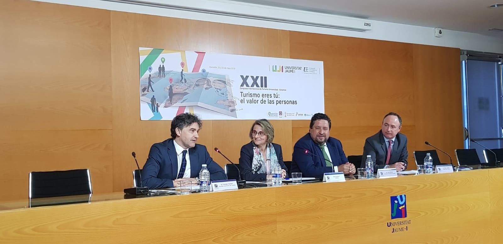"""Colomer destaca """"l""""encert de centrar el Congrés Turisme Universitat-Empresa en la cerca del valor humanista del turisme"""""""