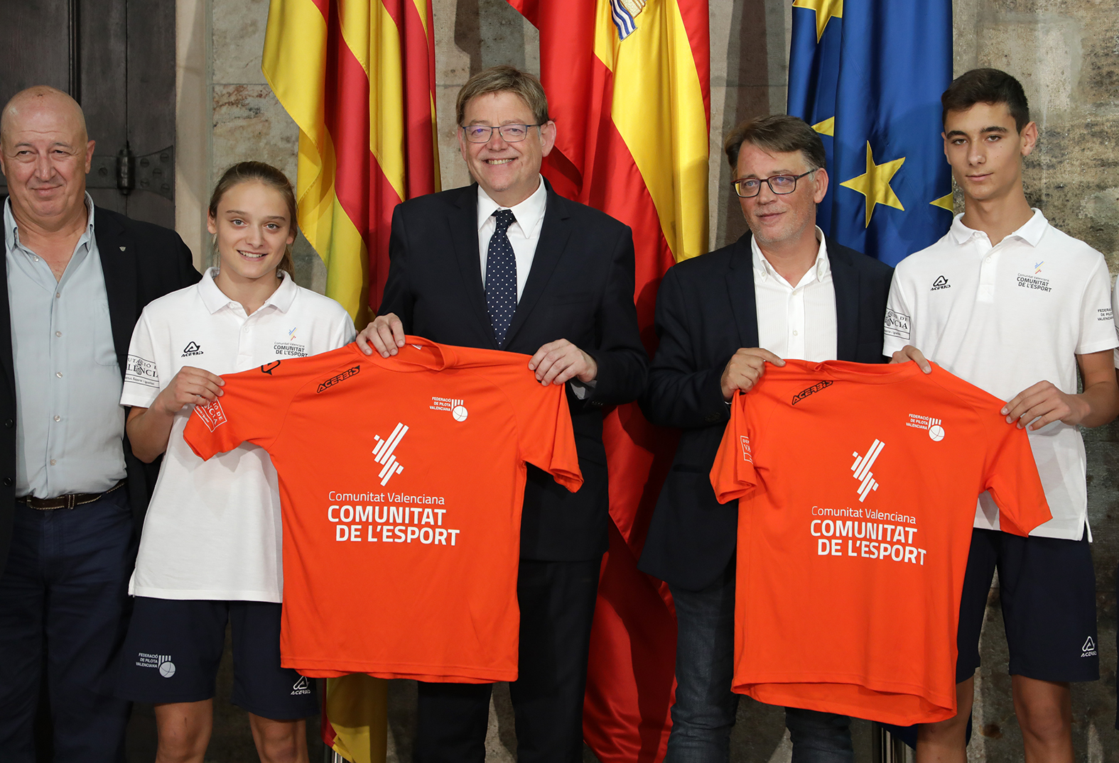"""Ximo Puig agraeix a les seleccions juvenils de pilota haver """"fet història"""" amb el """"triomf"""" que han obtingut en el passat Campionat Europeu"""