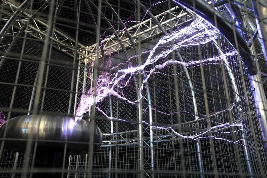 """El Teatre de l""""Electricitat del Museu de les Ciències ret homenatge a l""""electricitat i l""""electroestàtica"""