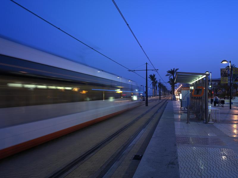"""La Generalitat ofrecerá servicio nocturno especial la noche del miércoles al jueves por la festividad del 15 de agosto a través del TRAM d""""Alacant"""