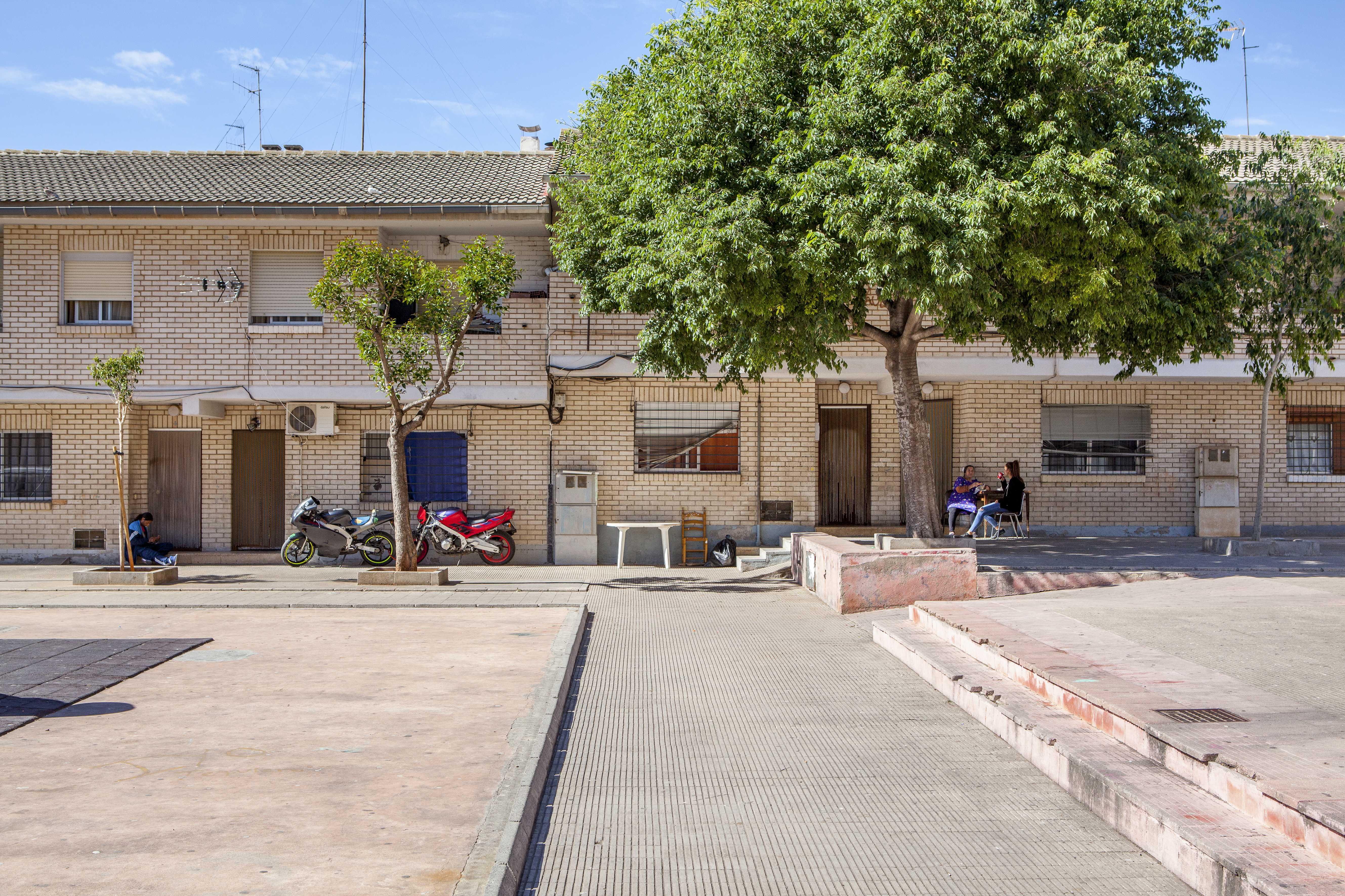 """La Conselleria d""""Habitatge finalitzarà després de l""""estiu les obres de rehabilitació i regeneració urbana del grup Sant Llorenç de Castelló"""