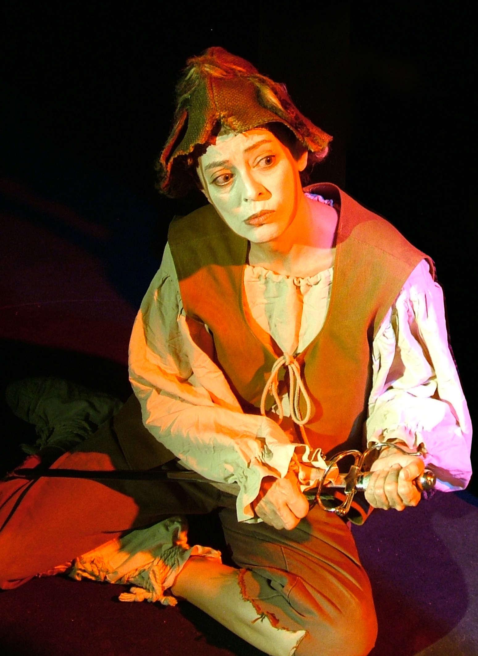 Sagunt a Escena presenta dos espectacles de teatre de carrer i de sala