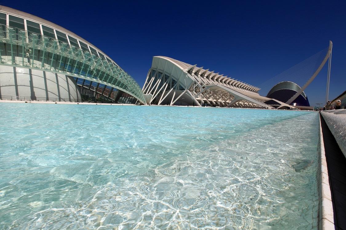 """""""CienciaMix"""", """"Las Nocturnas de verano"""" y """"Las Noches del Oceanogràfic"""" conforman una oferta única para este puente en la Ciutat de les Arts i les..."""