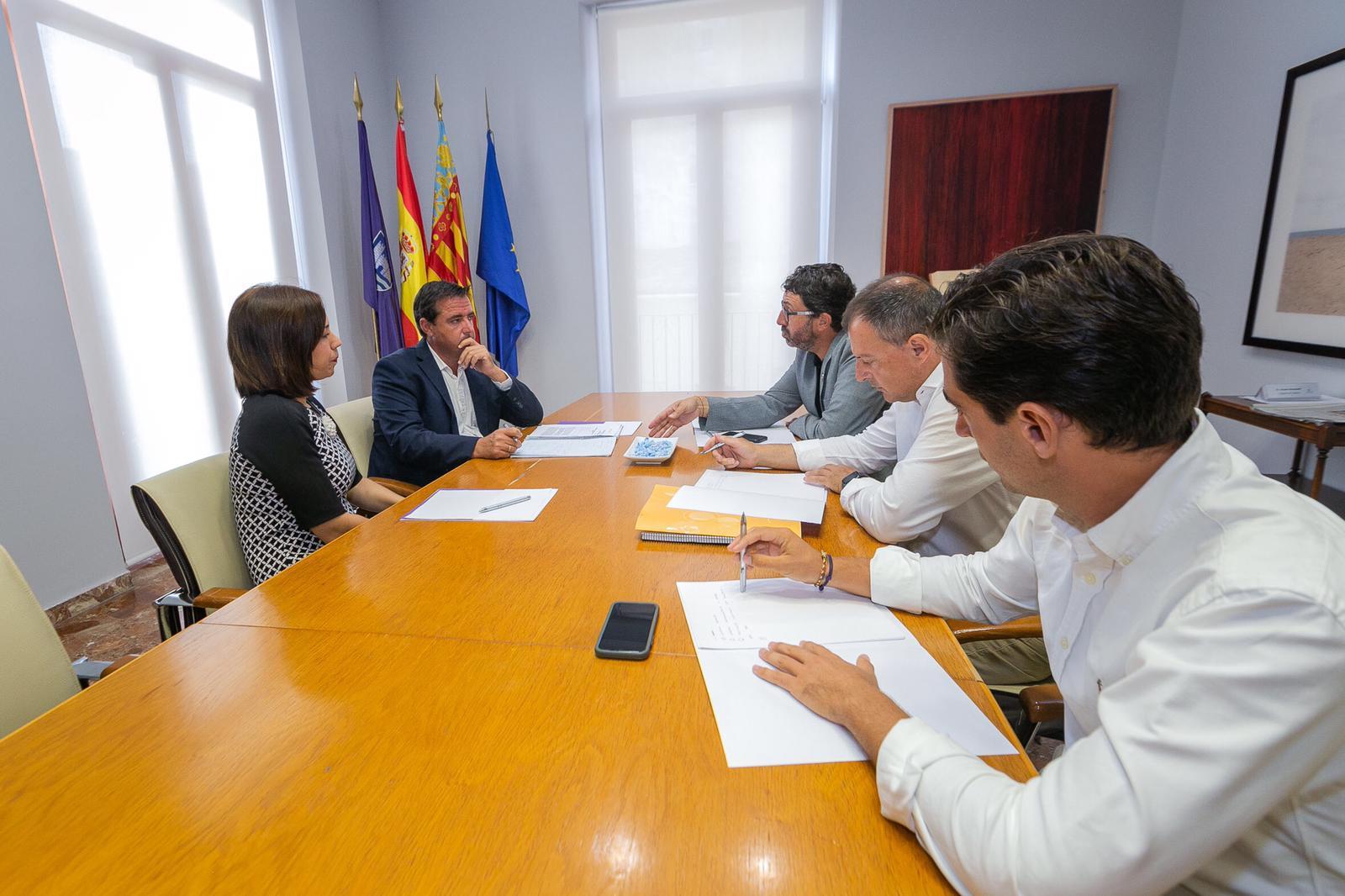 """El director general de Turisme destaca l""""aposta de l""""Ajuntament de Gandia per la desestacionalització turística"""