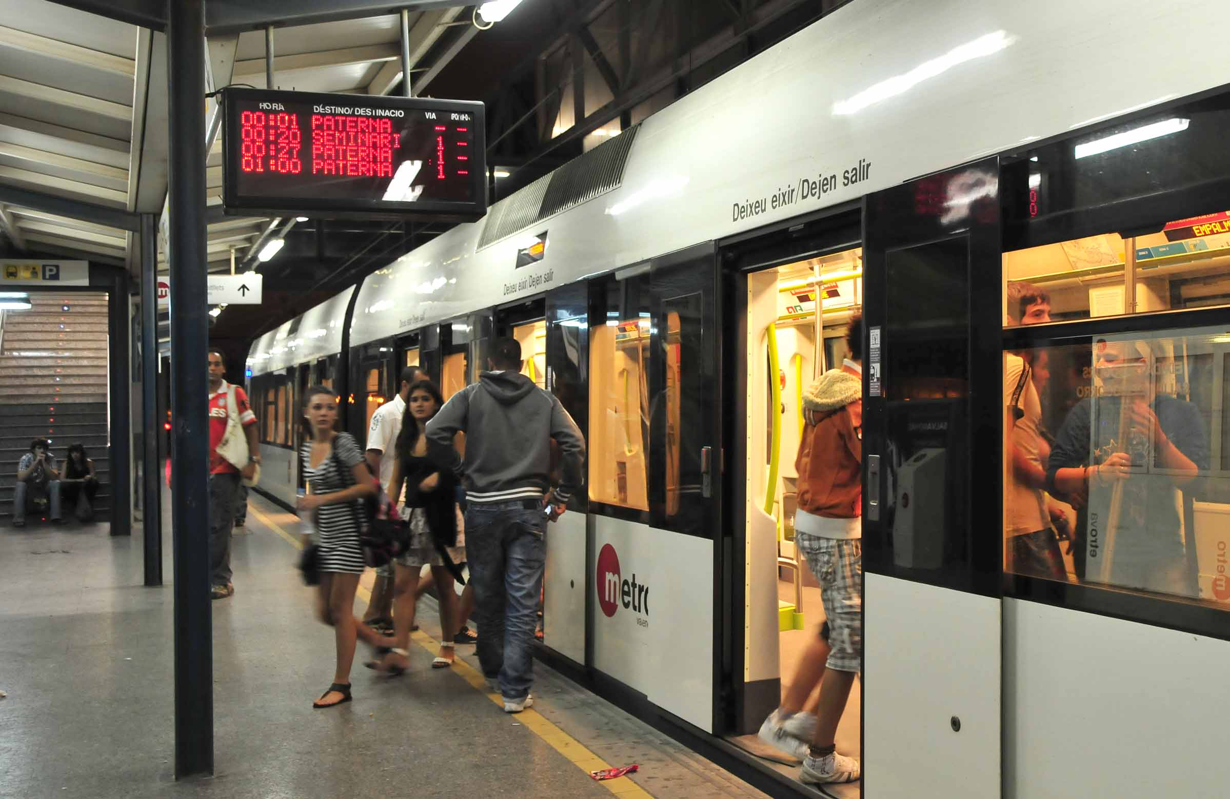 El servicio nocturno de Metrovalencia facilita el sábado día 24 el acceso a Paterna para disfrutar de la cordà en el cohetódromo