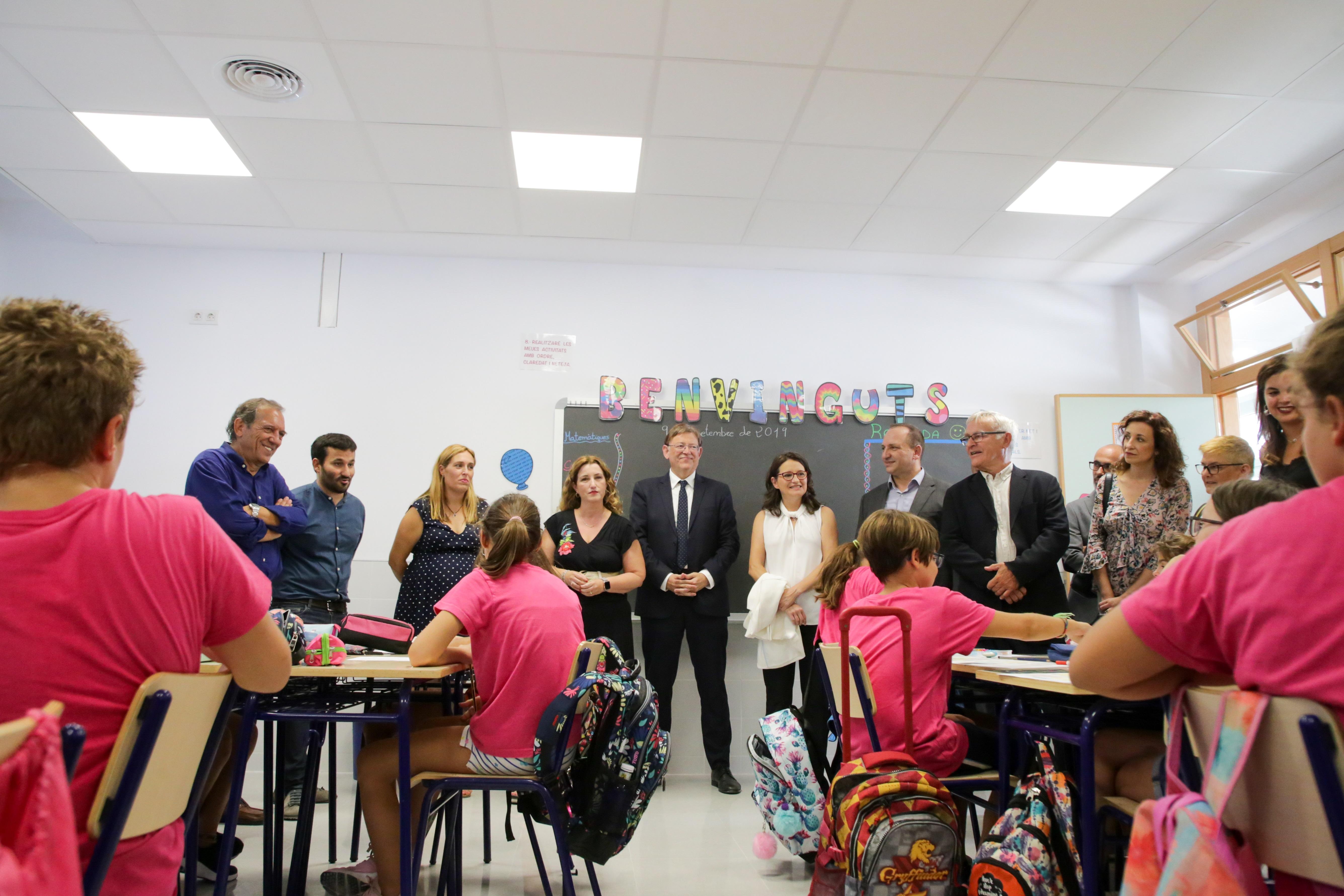 """Ximo Puig destaca """"l""""impuls extraordinari"""" del Consell per a remodelar o construir el 50 % dels centres educatius mitjançant una inversió de 1.000..."""