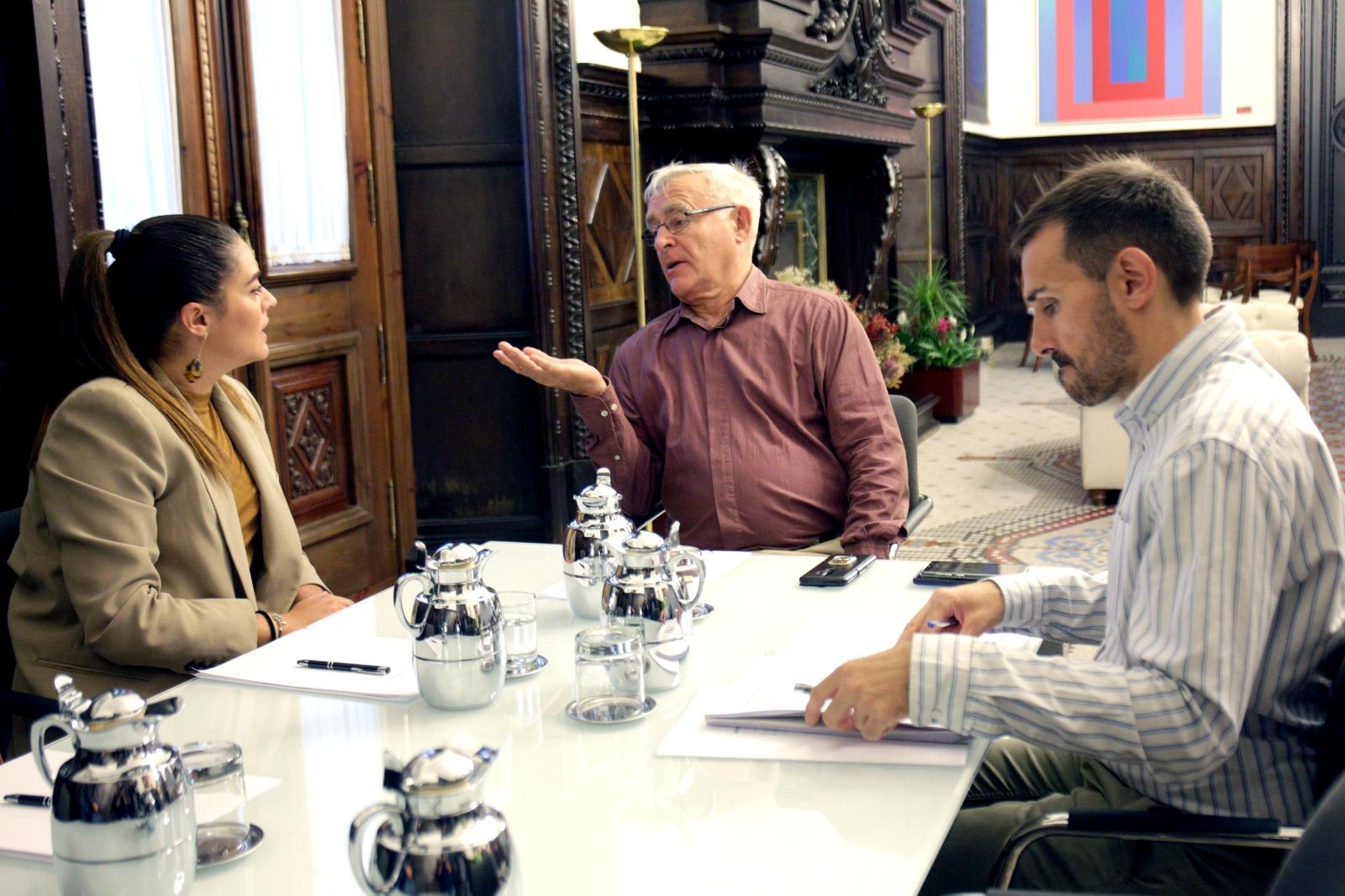 """El nou llit del Túria, la depuradora de Pinedo i l""""ampliació del port centren la reunió entre la consellera d""""Agricultura i l""""alcalde de València"""