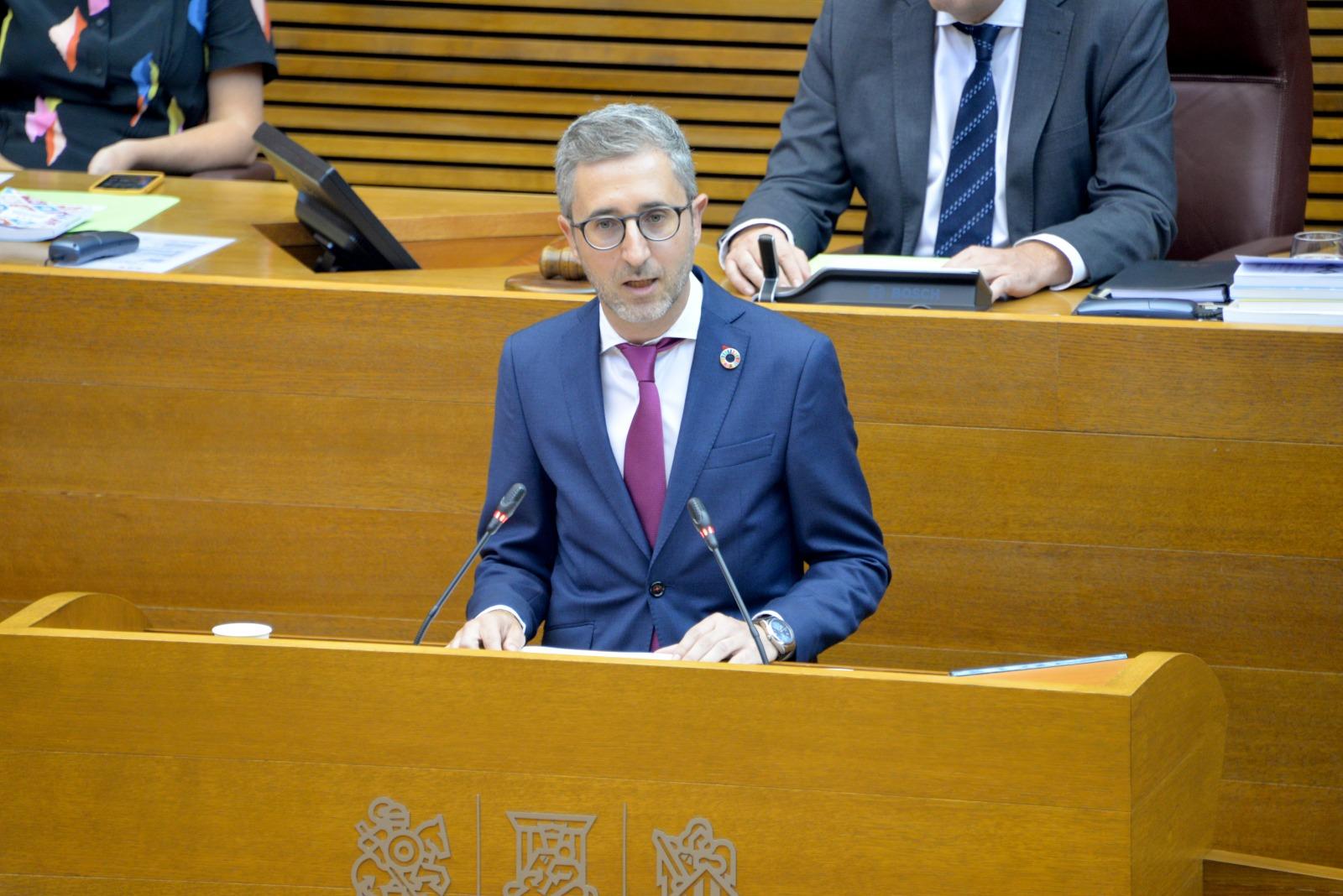 Arcadi España convoca a los alcaldes de la Vega Baja para promover mejoras de ordenación del territorio y prevenir los efectos adversos de la emer...