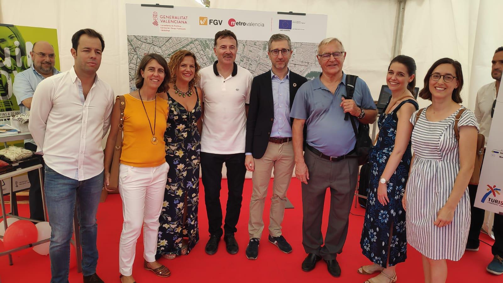 Arcadi España visita la Fira de la Mobilitat Sostenible de València
