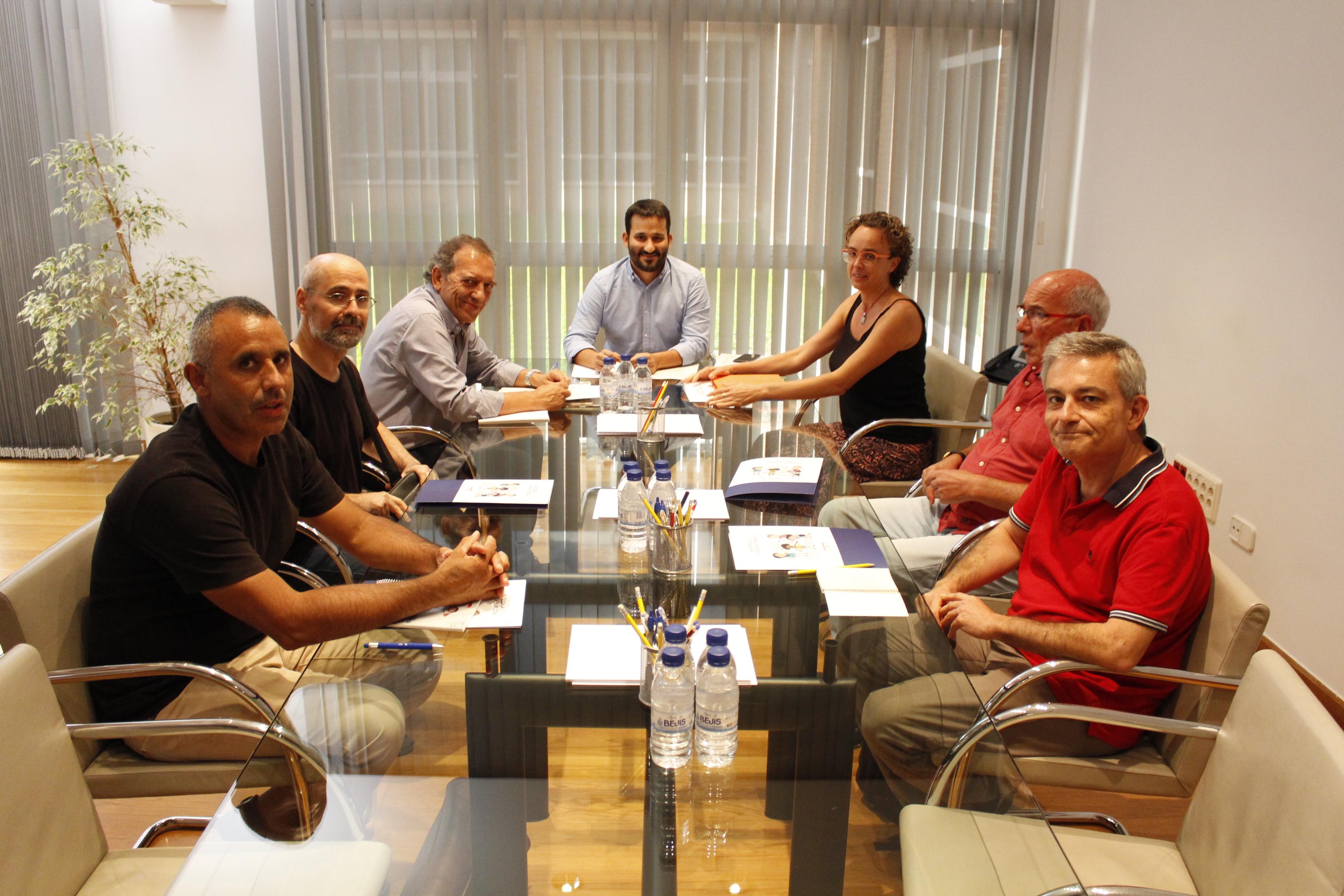 """Educació i la Confederació Gonzalo Anaya intercanvien propostes per a avançar en la qualitat de l""""educació pública"""