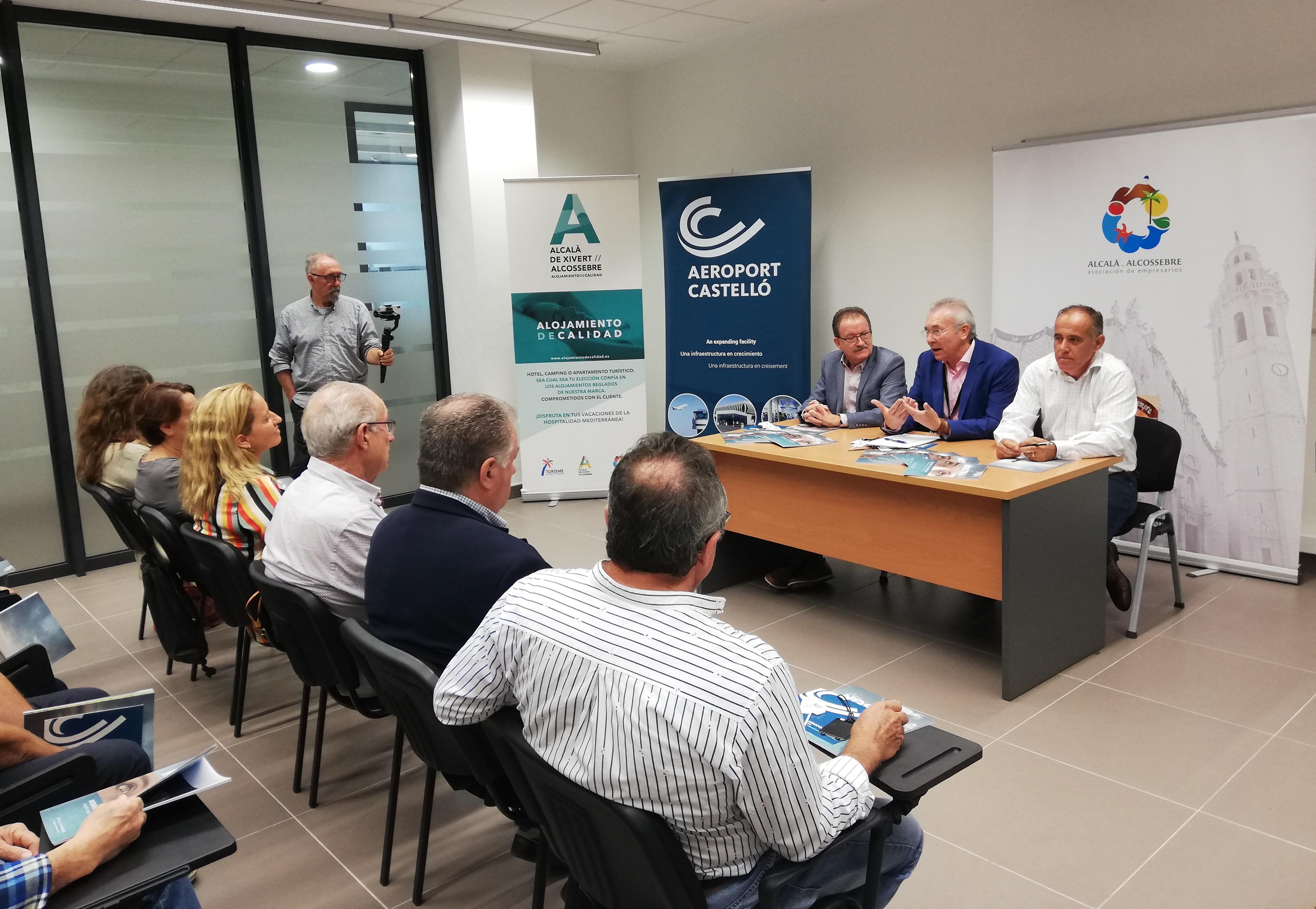 """L""""aeroport de Castelló promou les seues noves rutes davant de l""""empresariat d""""Alcalà-Alcossebre"""