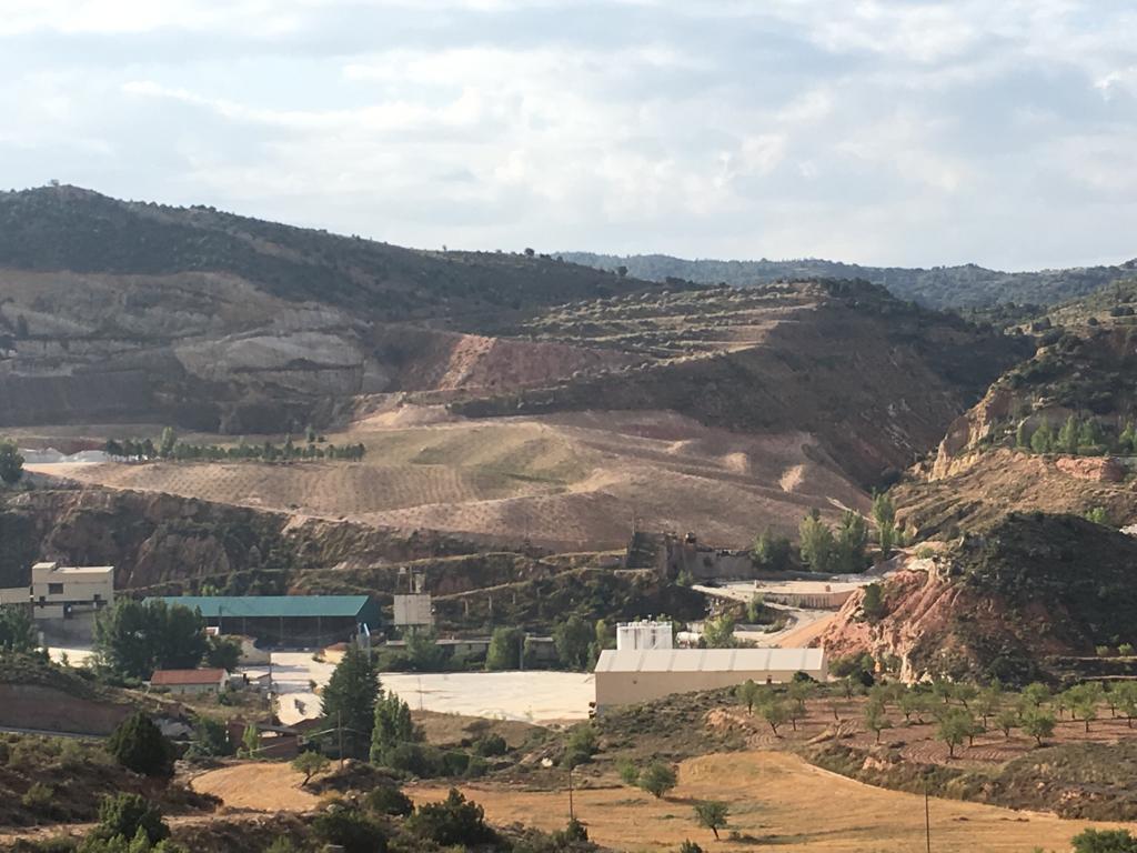"""Una empresa sueca visita el sistema de restauració ambiental de la mina Fortuna per a fer-ne una rèplica a l""""explotació de ferro més gran del món"""