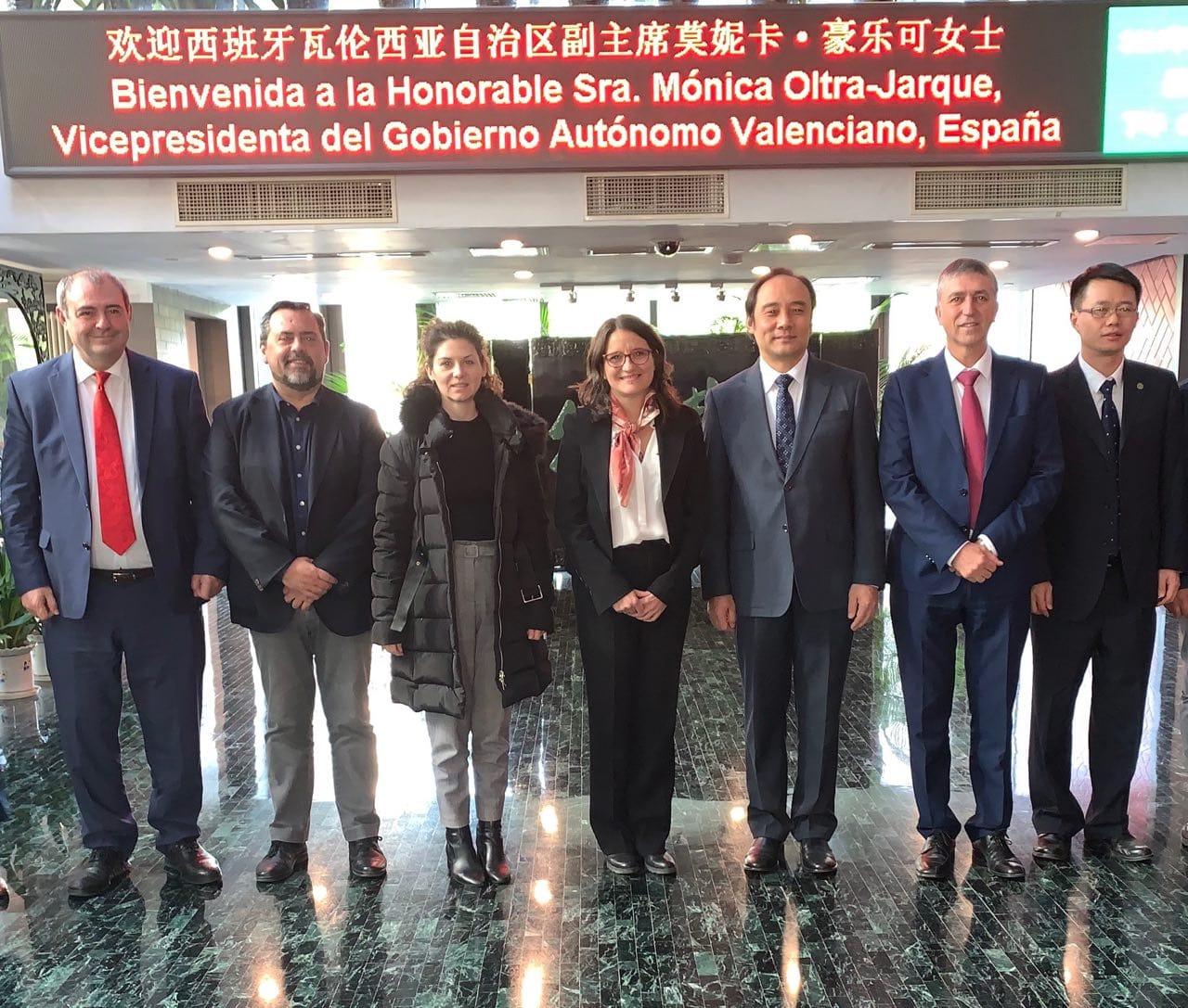 Oltra pide al Gobierno de España que negocie la exportación del caqui de la Comunitat con China que es el mayor consumidor mundial de la fruta