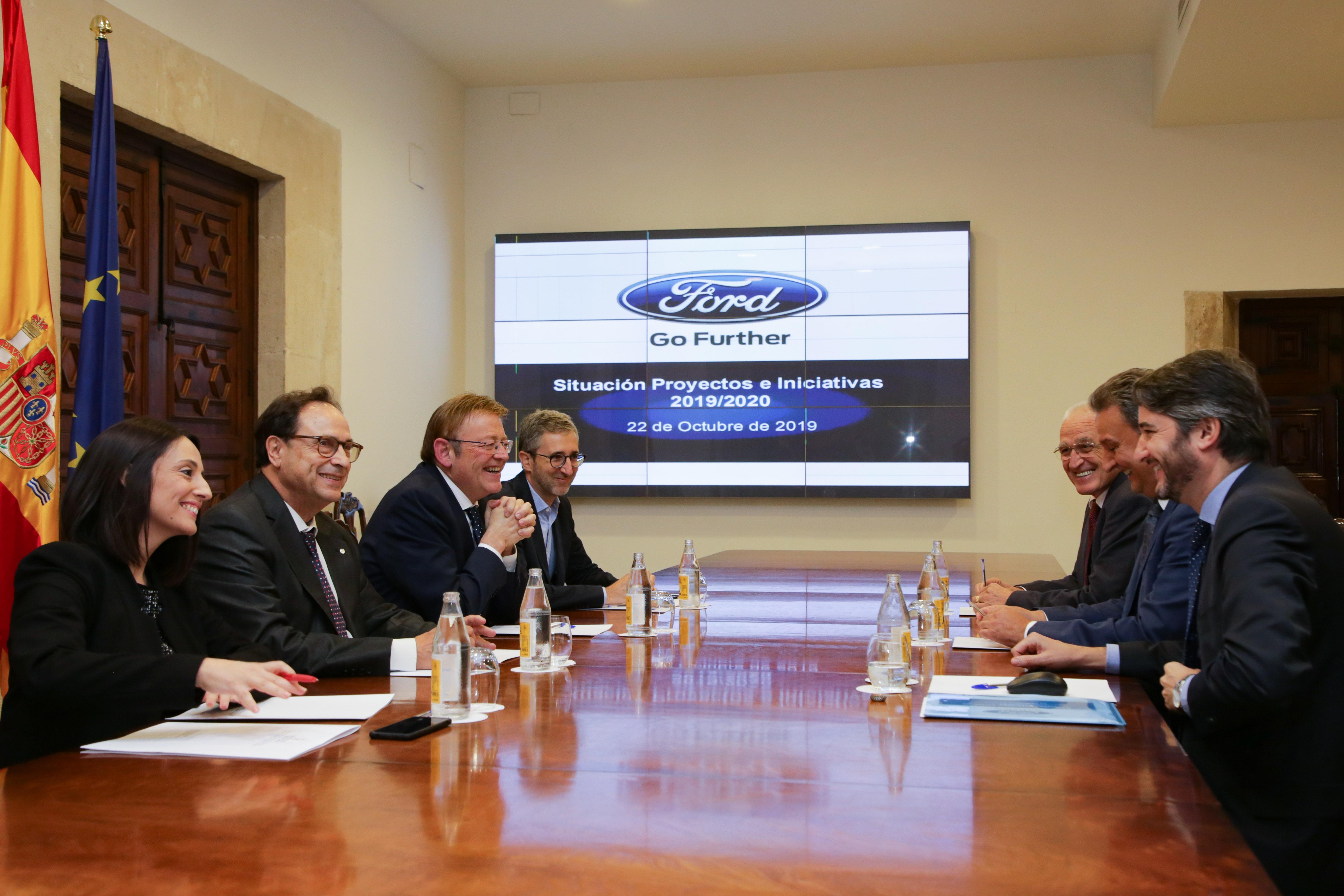 Ximo Puig mantiene una reunión de seguimiento con directivos de Ford España