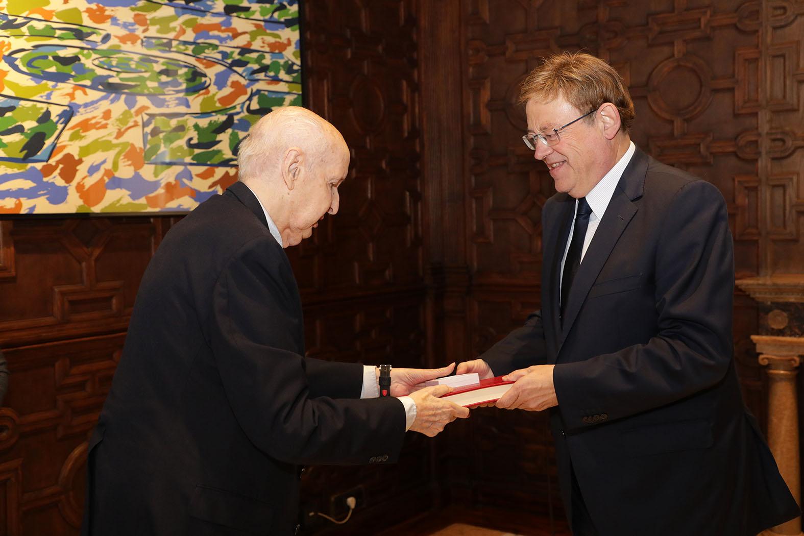 Ximo Puig recibe la memoria anual del Consell Valencià de Cultura