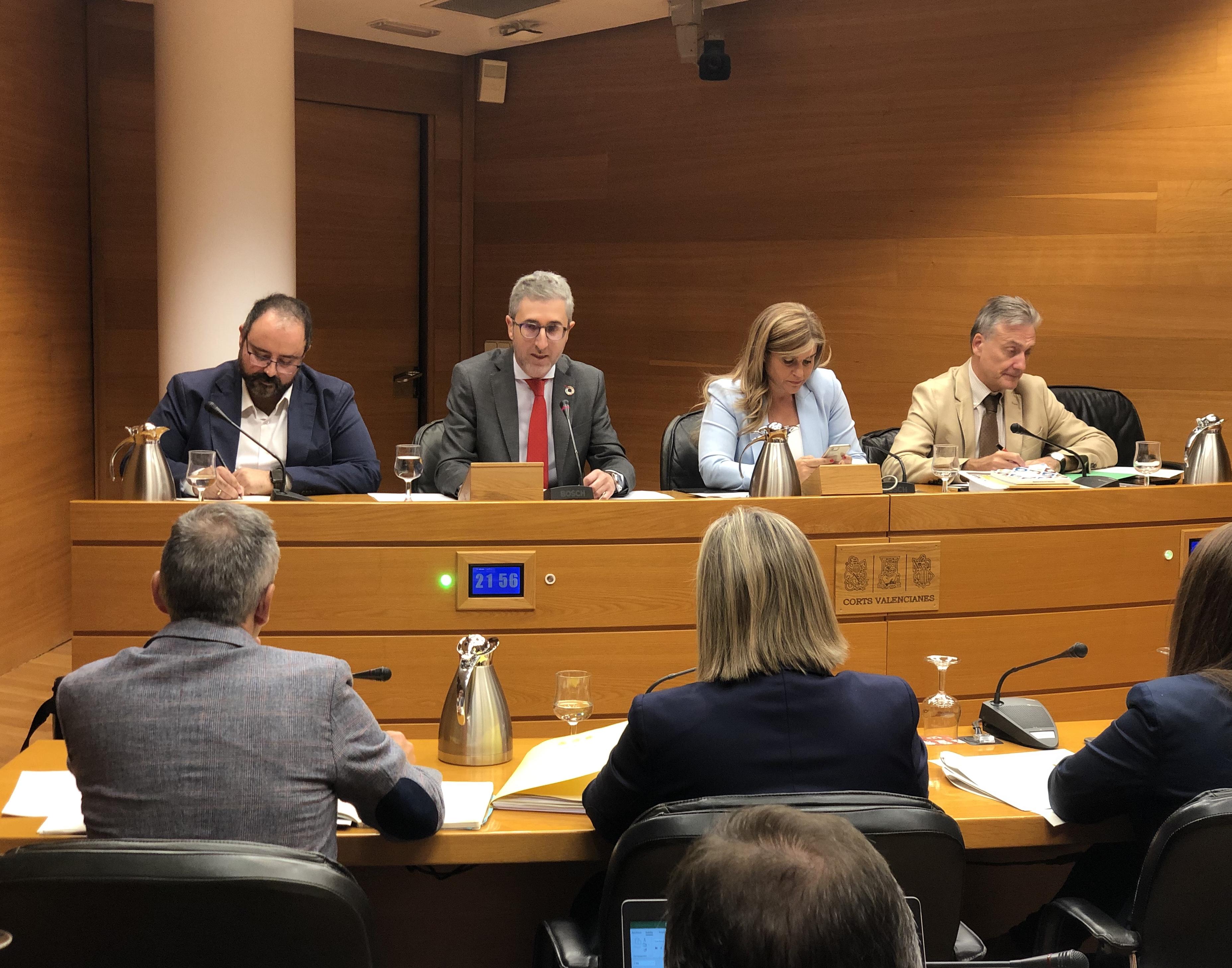Arcadi España destaca la inversión de 149 millones de euros en infraestructuras públicas, un 5% más, para mejorar la red viaria autonómica y garan...