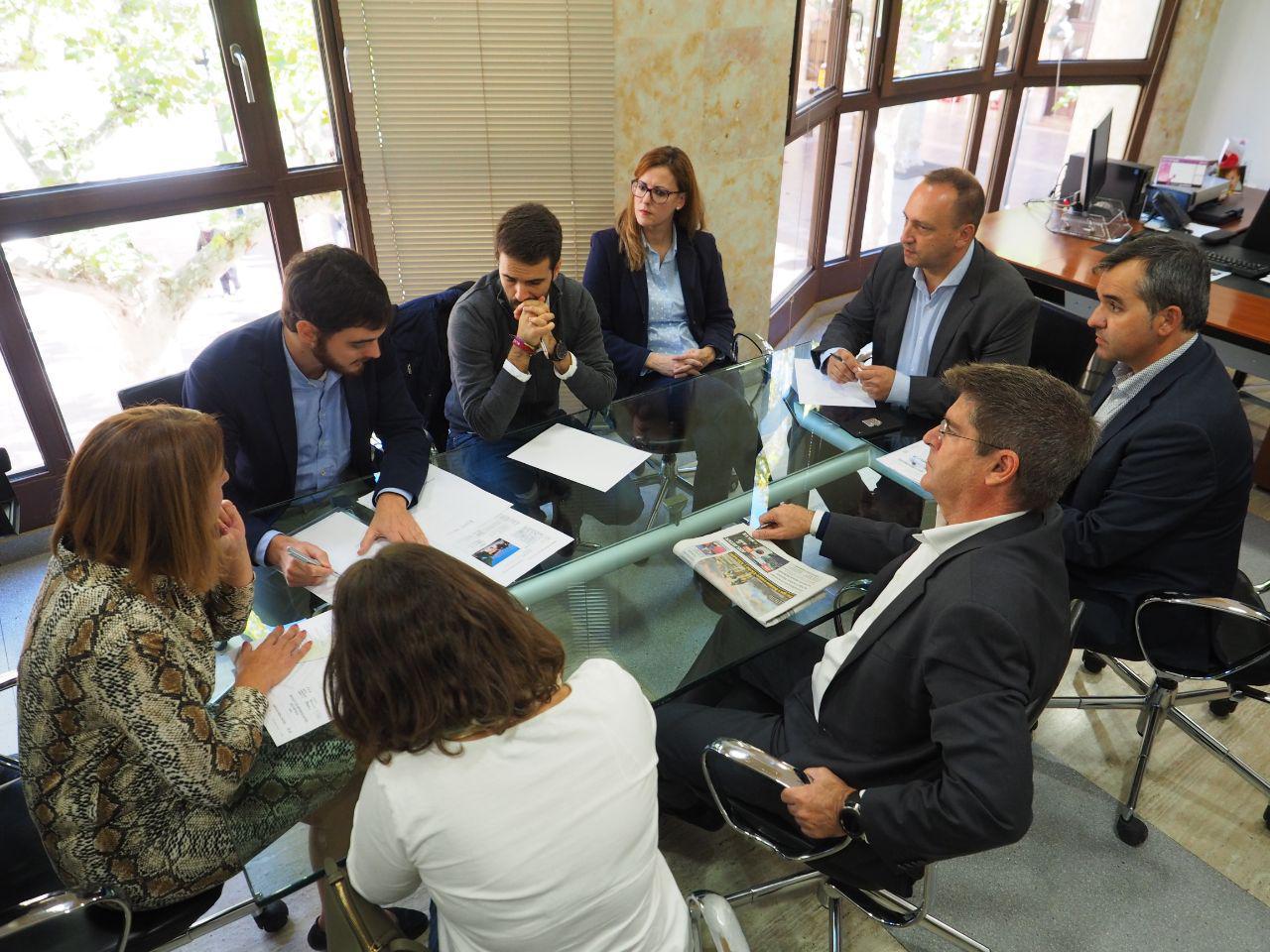 """Martínez Dalmau aposta a Aspe """"per una nova manera de fer política social, d""""habitatge i vertebració autonòmica"""""""