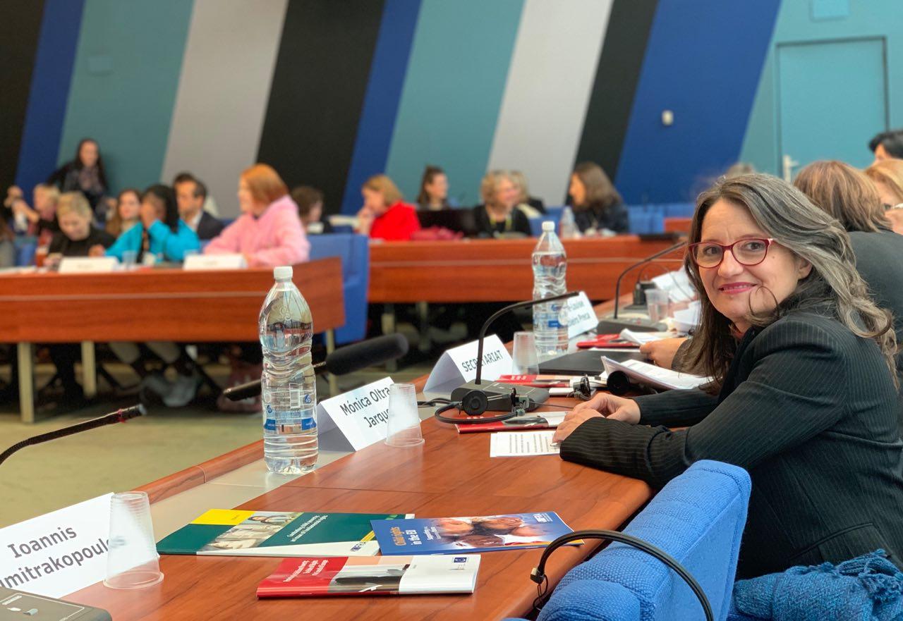 Oltra presenta en Estrasburgo el programa Kumpania como un proyecto para combatir la exclusión de la infancia y la adolescencia gitana
