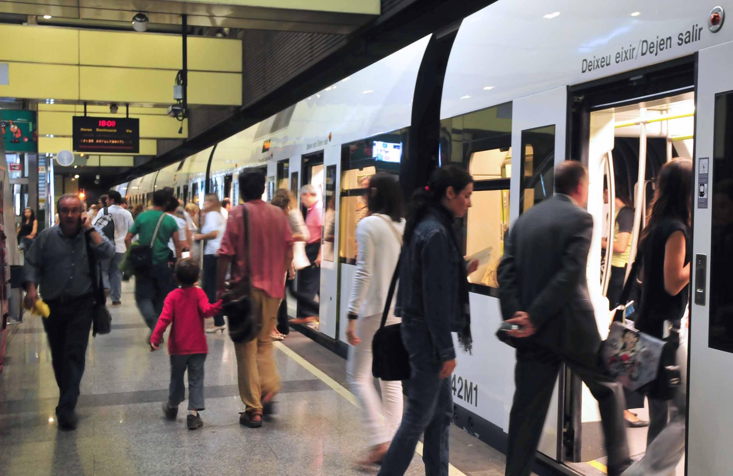 La Generalitat favoreció el desplazamiento de 6,6 millones de personas usuarias en la red de Metrovalencia en octubre