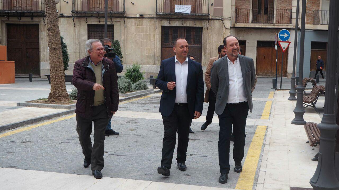 Martínez Dalmau pone a disposición del Ayuntamiento de Orihuela viviendas para las familias afectadas por la DANA