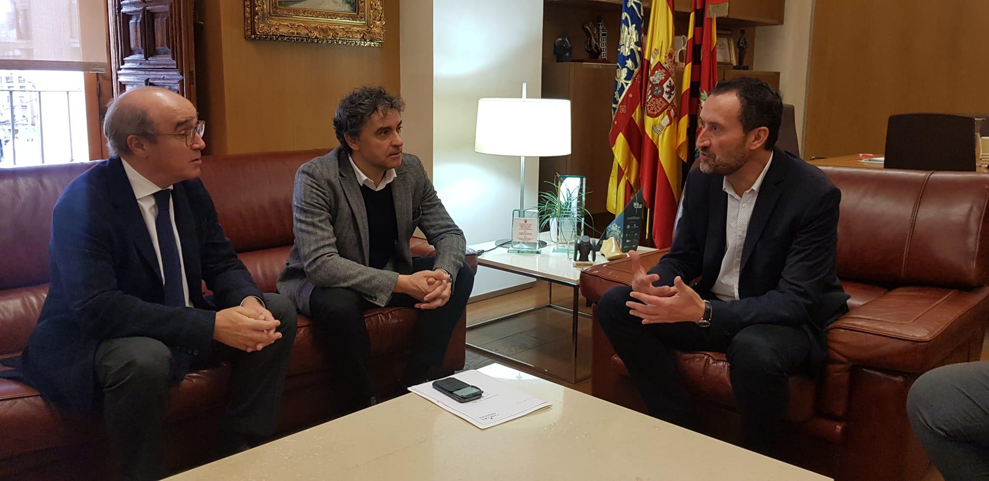 """Colomer anuncia que en 2020 """"signarem un conveni de col·laboració amb Alacant per a impulsar la promoció de la ciutat"""""""