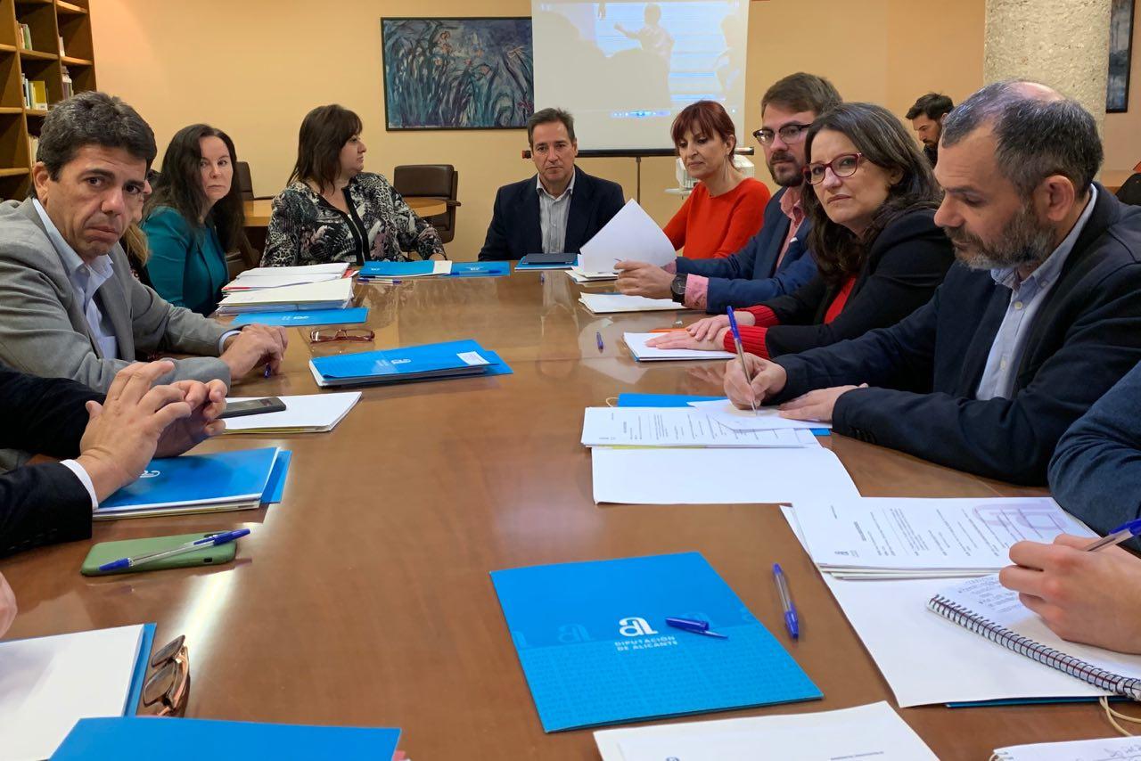 Oltra y Mazón anuncian la constitución de la mesa de coordinación de los servicios sociales de Alicante