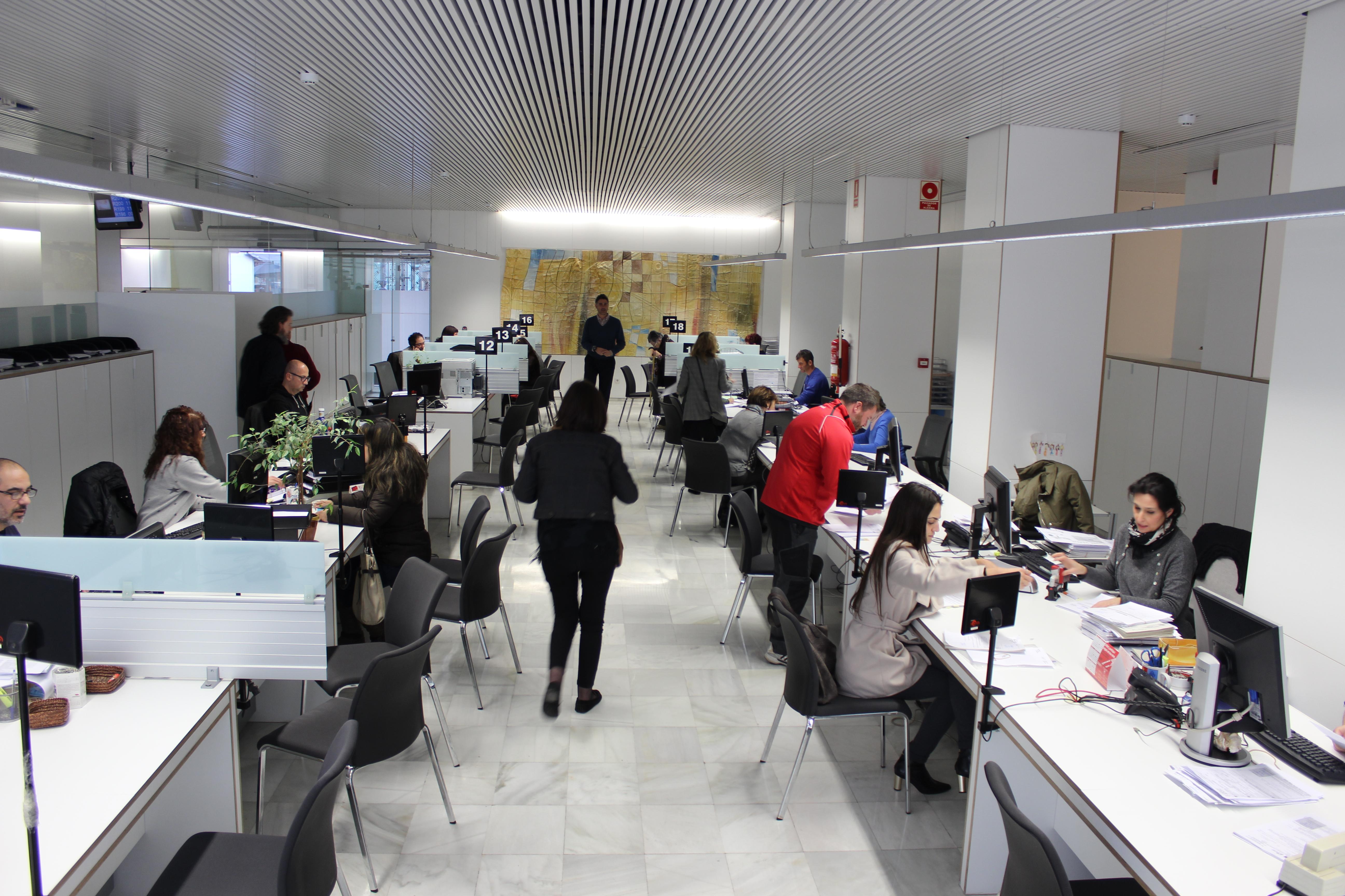 Los servicios de atención a la ciudadanía de la Generalitat gestionan cerca de 23 millones de consultas durante 2019