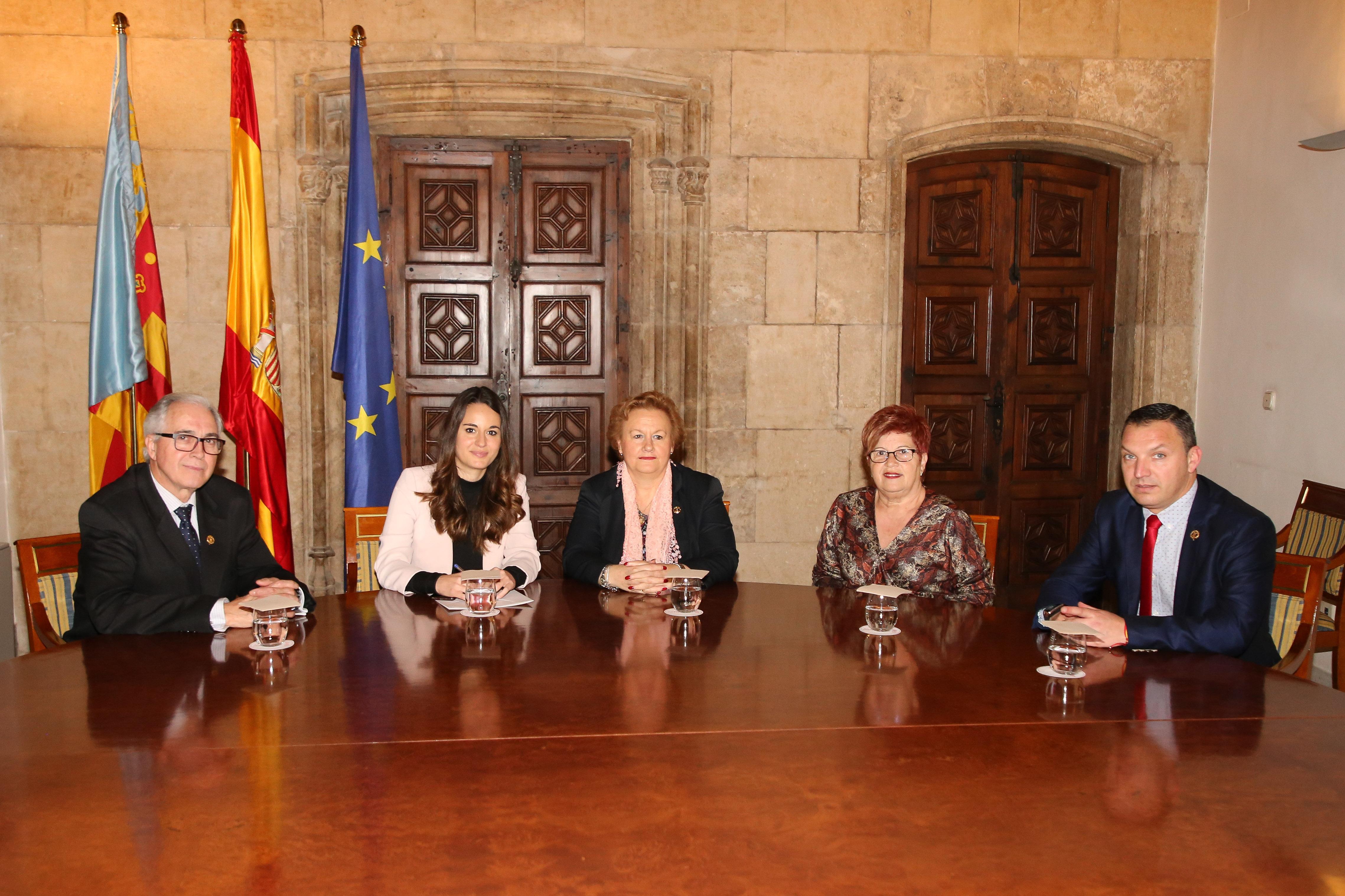 La directora de Coordinación del Diálogo Social se reúne con la Federación de Entidades Culturales Andaluzas de la Comunitat Valenciana