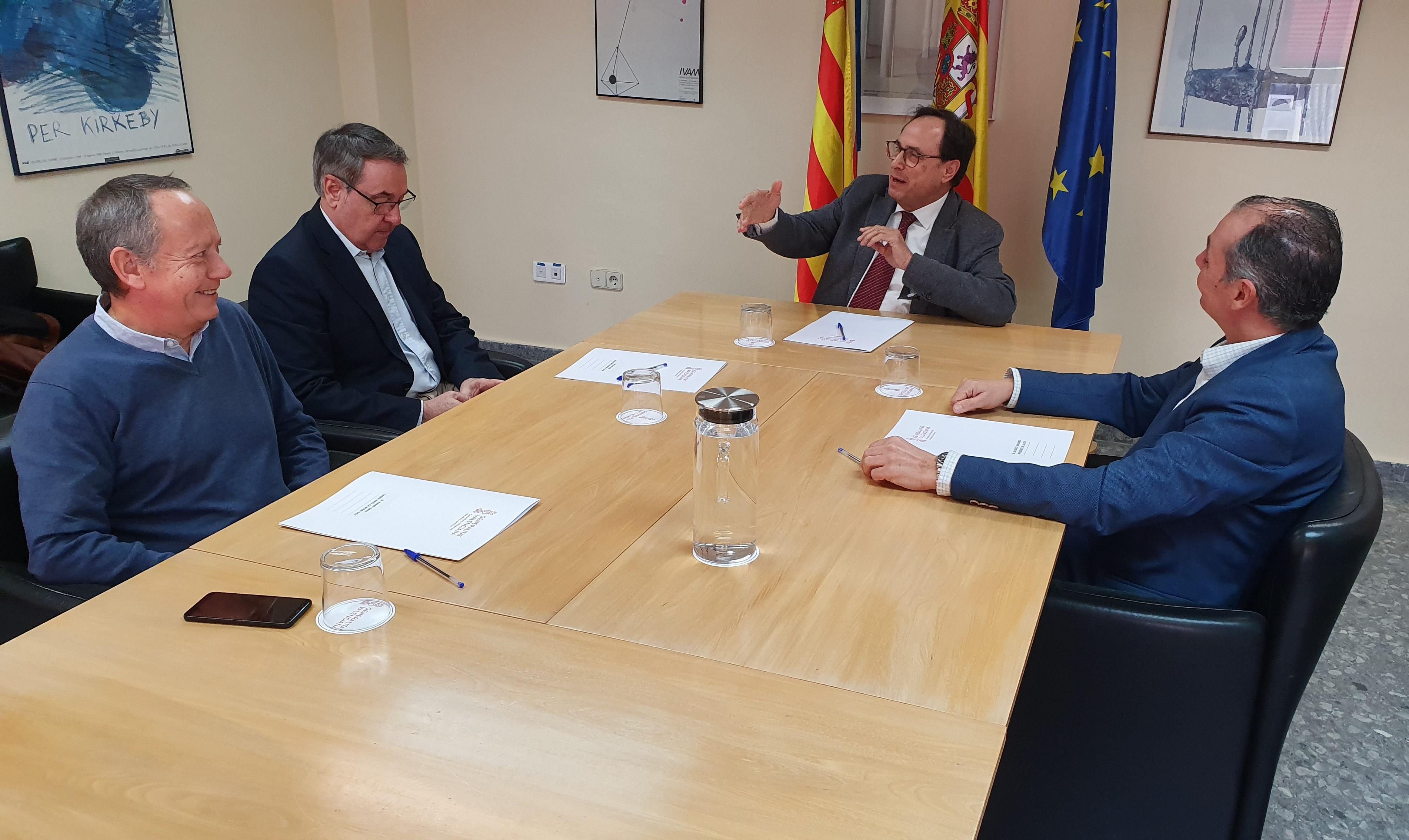 Soler assegura als agents economicosocials que la màxima prioritat del Consell és la reforma immediata del sistema de finançament