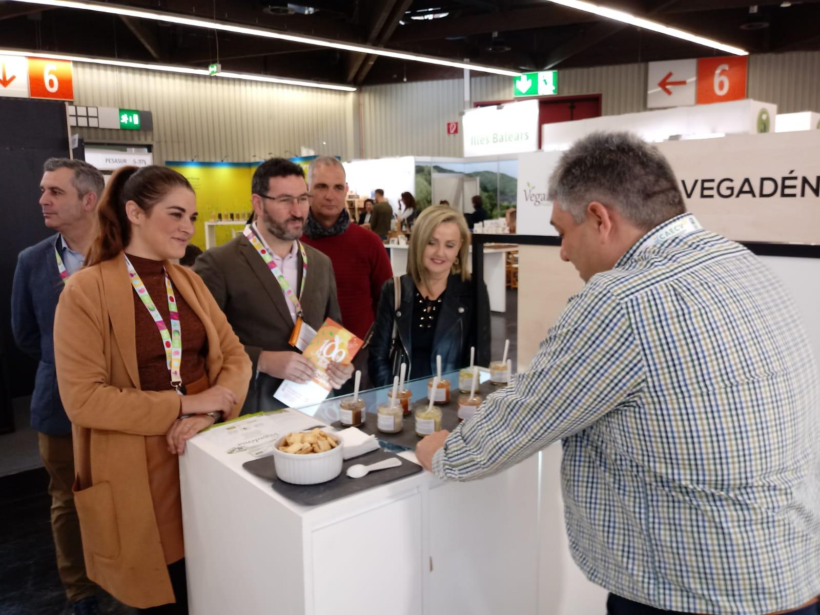 Mireia Mollà destaca els més de 45 milions en ajudes a la producció ecològica en la fira de Biofach