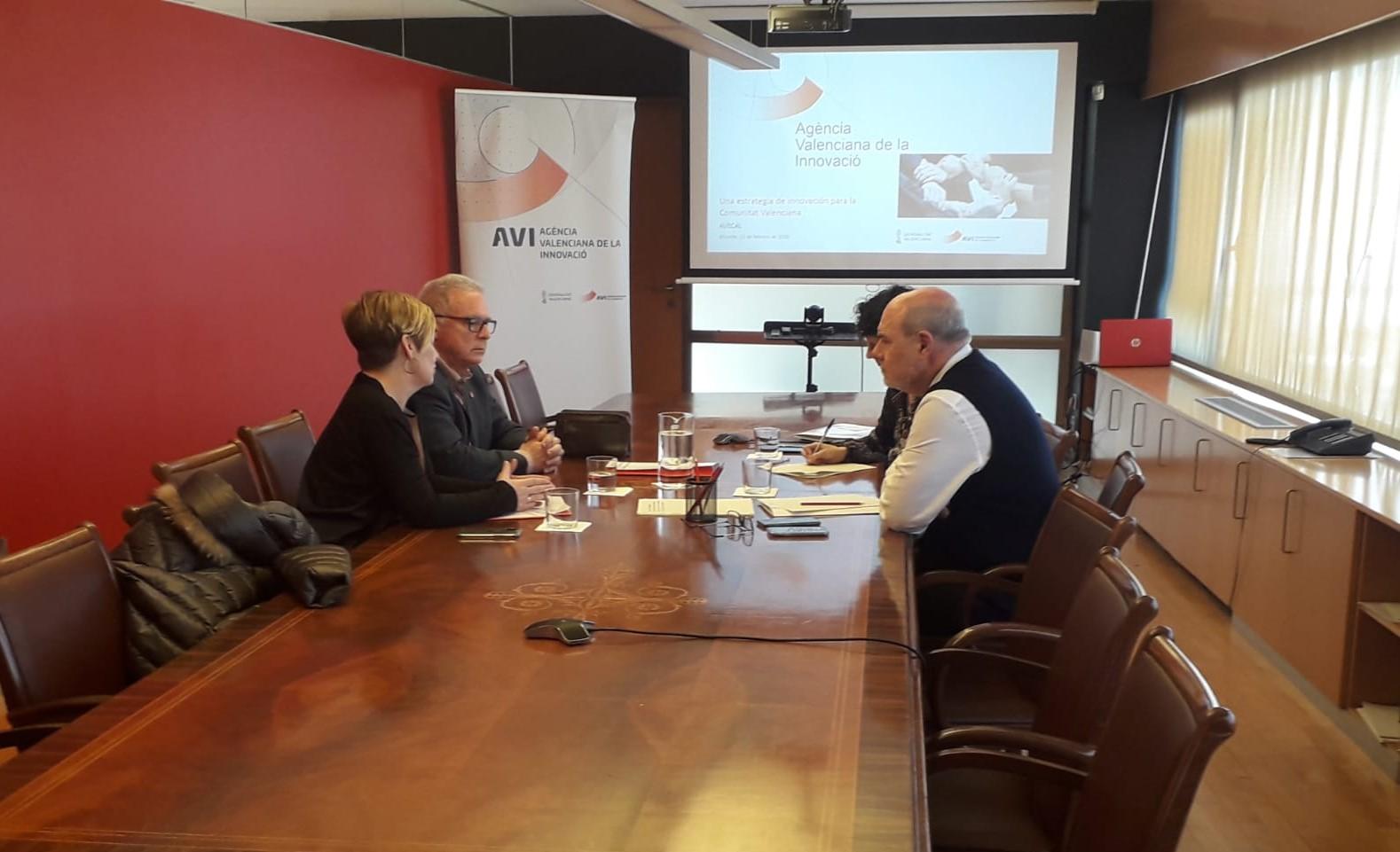 """L""""AVI i l""""Associació Valenciana del Calcer exploren vies de col·laboració per a reforçar l""""R+D+I entre les empreses del sector"""
