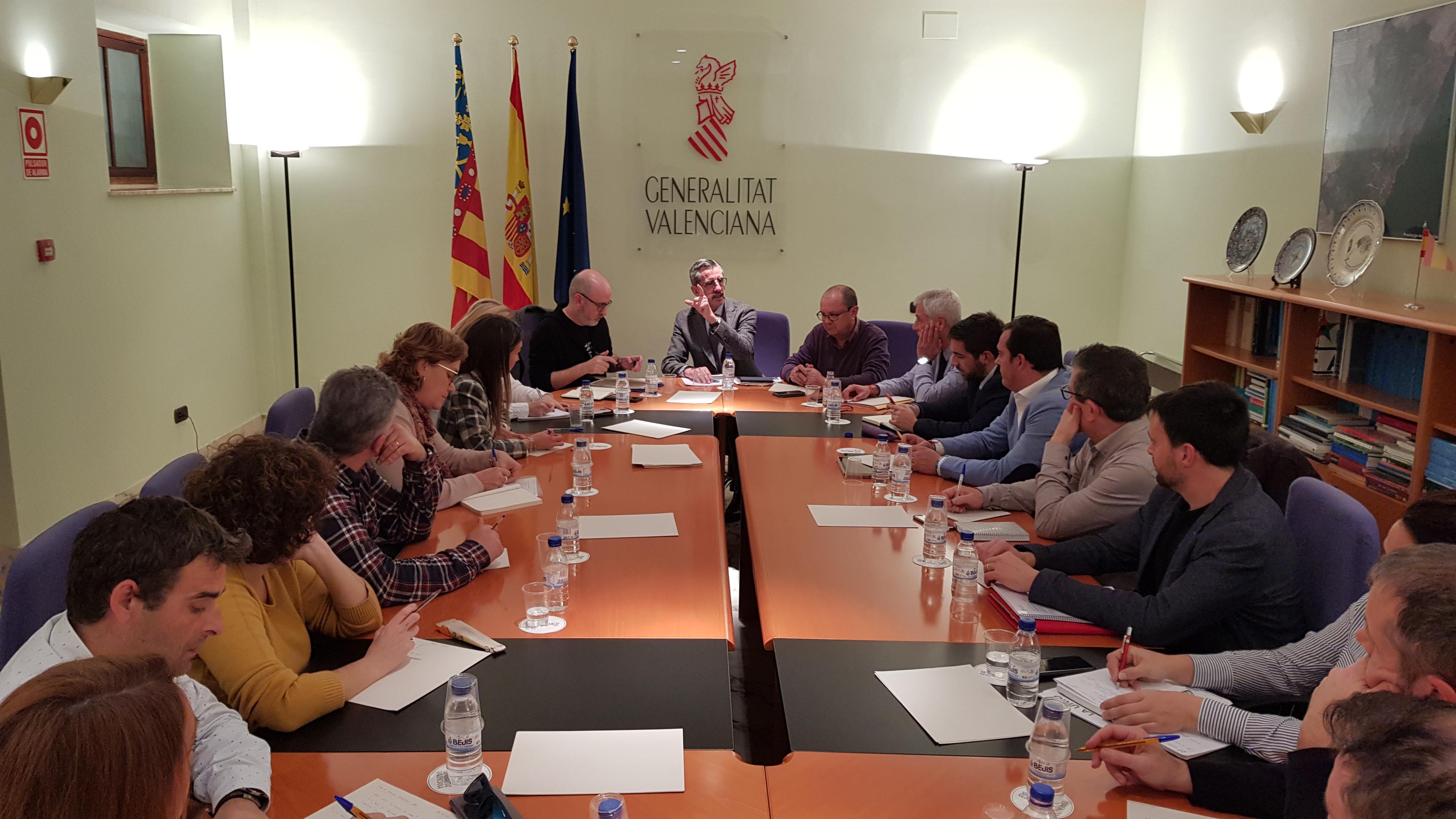 La Generalitat reúne a alcaldes y alcaldesas de los municipios del litoral de Castellón para explicar el acuerdo de ayudas por los daños de la bor...