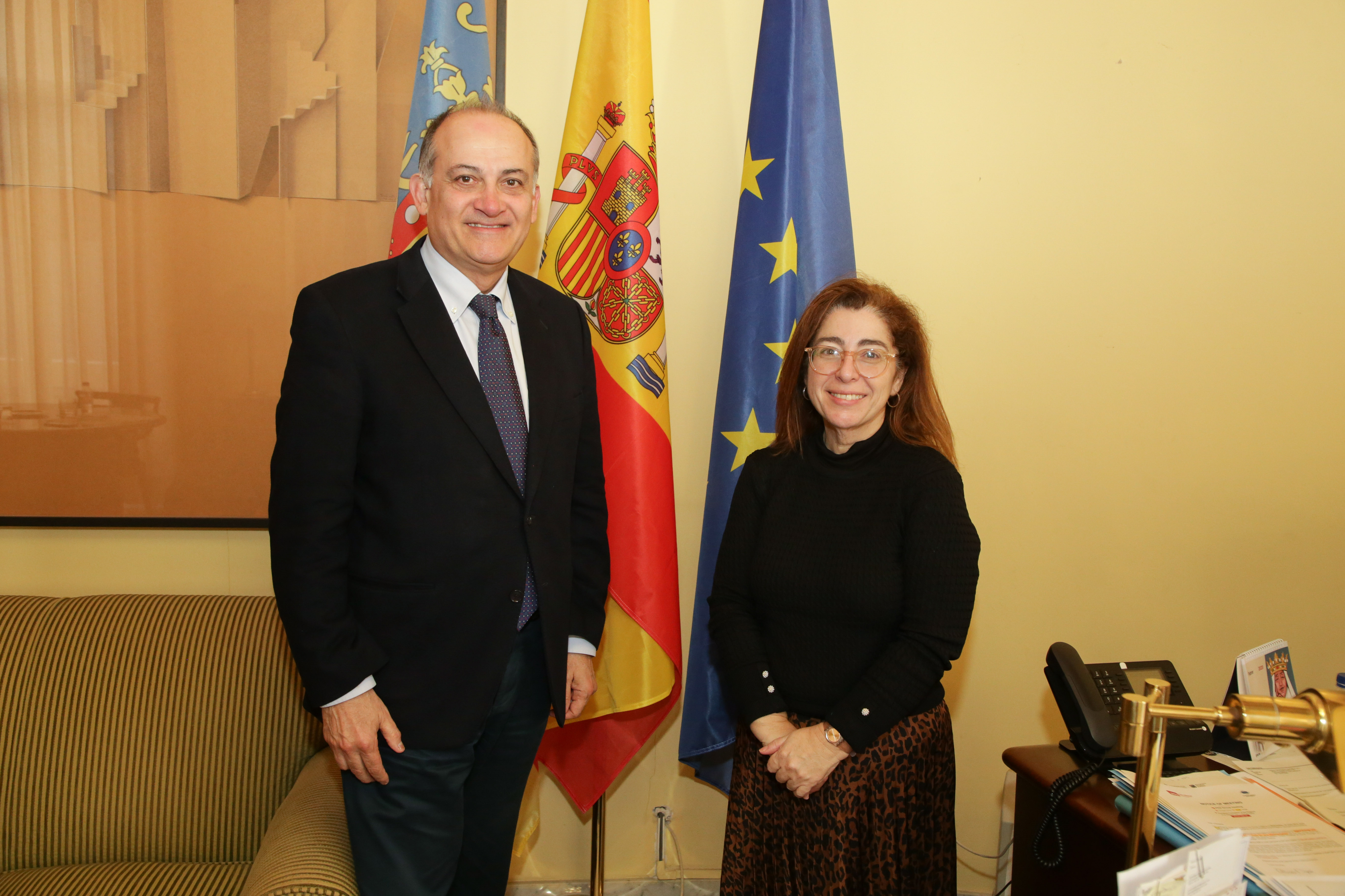 El secretario autonómico para la Unión Europea y Relaciones Externas se reúne con la cónsul general de Portugal