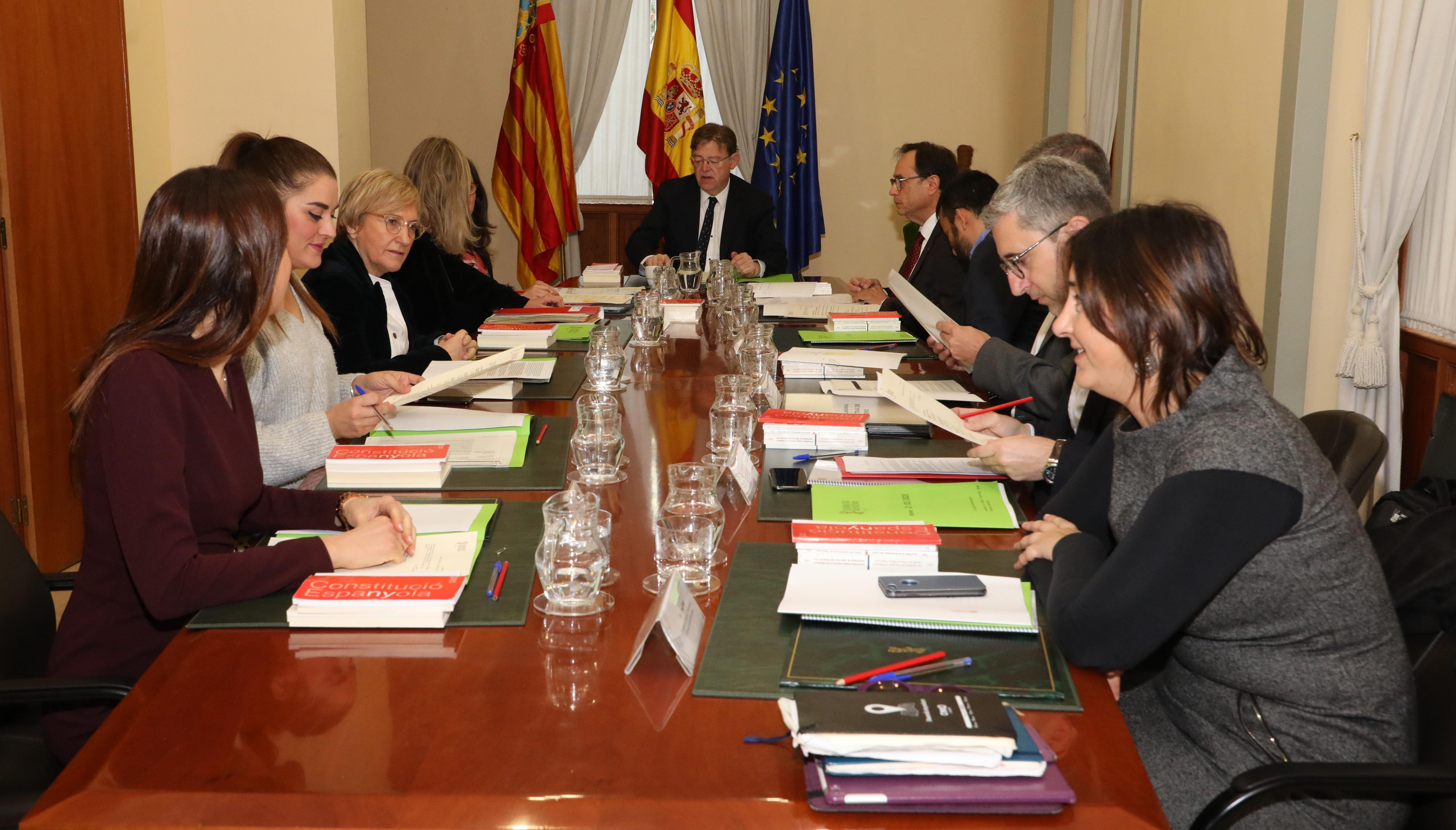 Ximo Puig presideix el Ple del Consell a Alacant