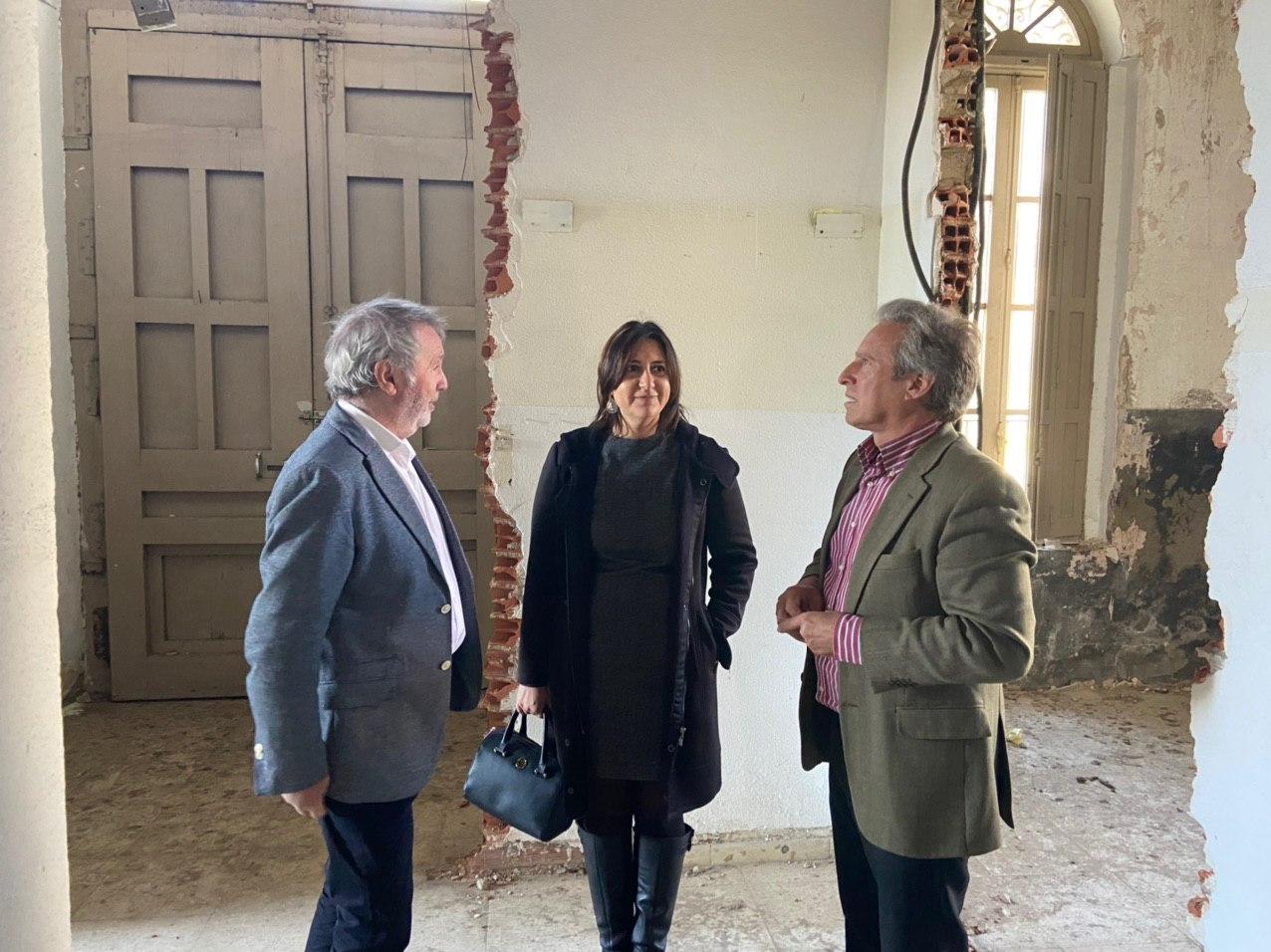 """La consellera de Qualitat Democràtica es reuneix amb el president de l""""Autoritat Portuària del Port d""""Alacant"""