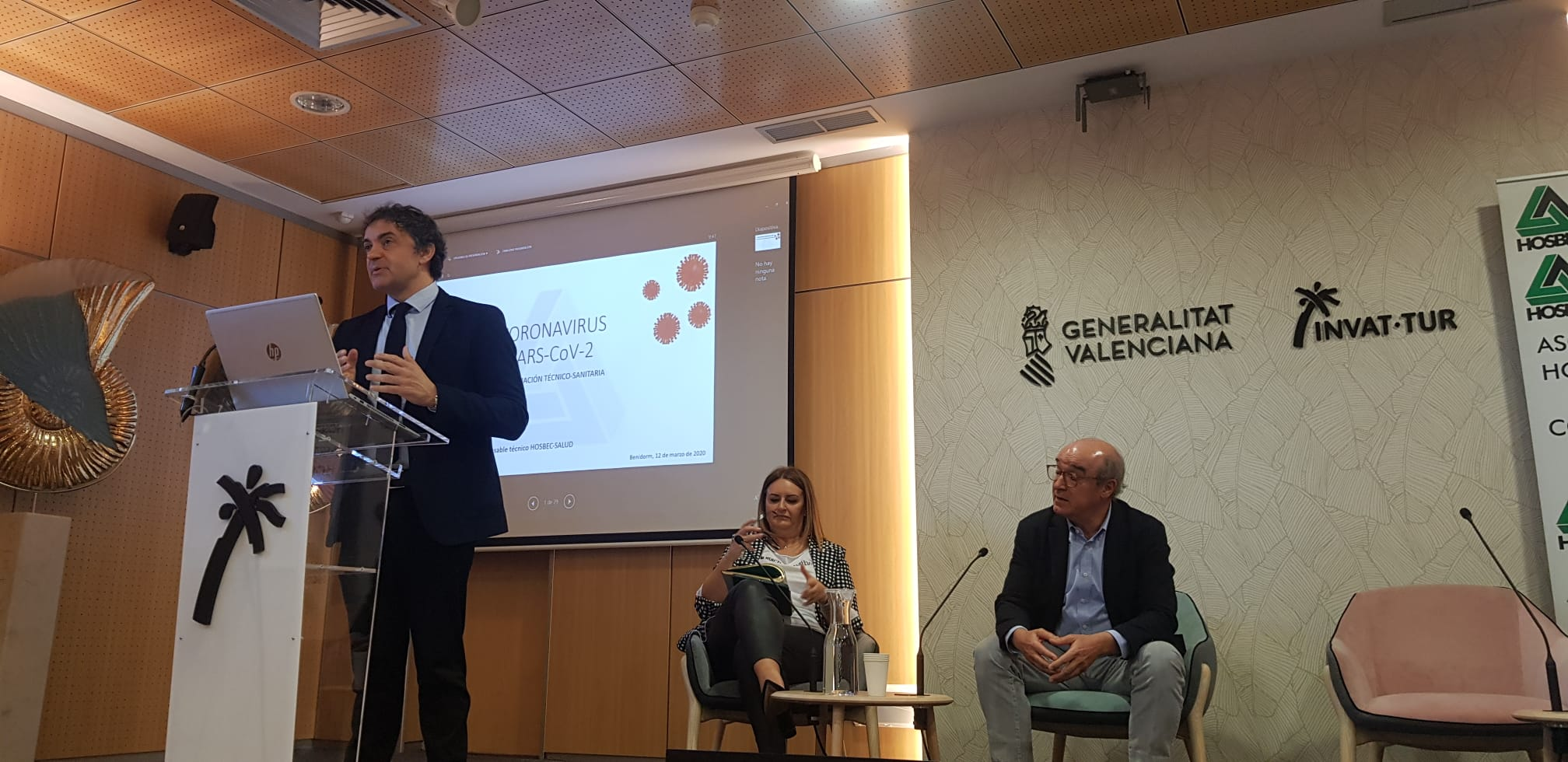 """Colomer reitera su apoyo al sector turístico en la crisis por el coronavirus y resalta que """"en estos momentos lo más importante es la salud de las..."""
