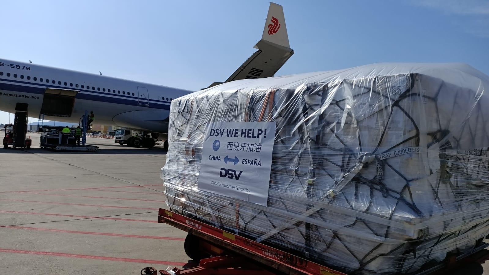 Dos aviones procedentes de China llegan este martes a España con material de protección encargado por la Generalitat para garantizar el suministro...