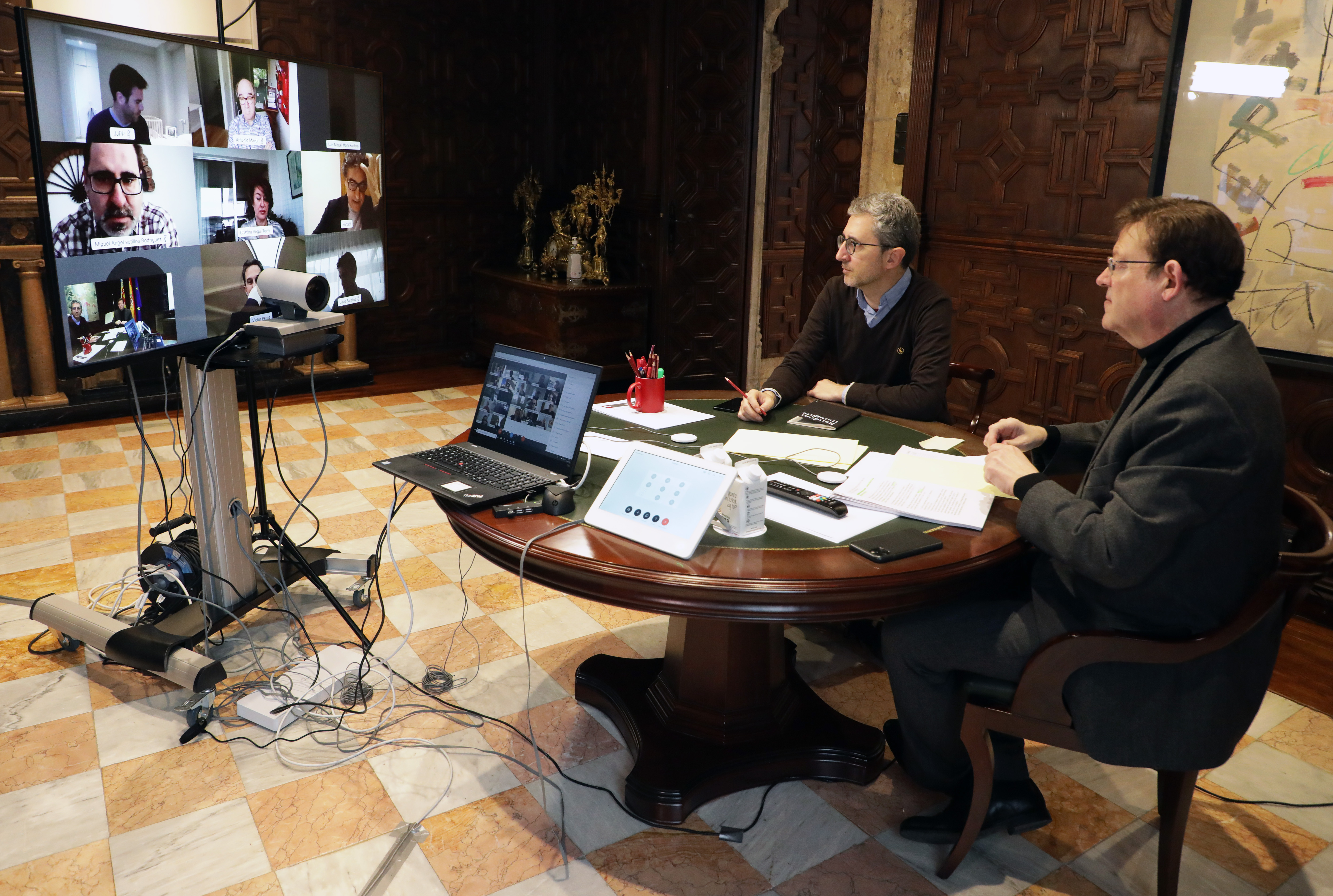 """Ximo Puig destaca el """"gran acuerdo"""" con el sector turístico para """"trabajar unidos"""" en la recuperación ante la crisis originada por la COVID-19"""