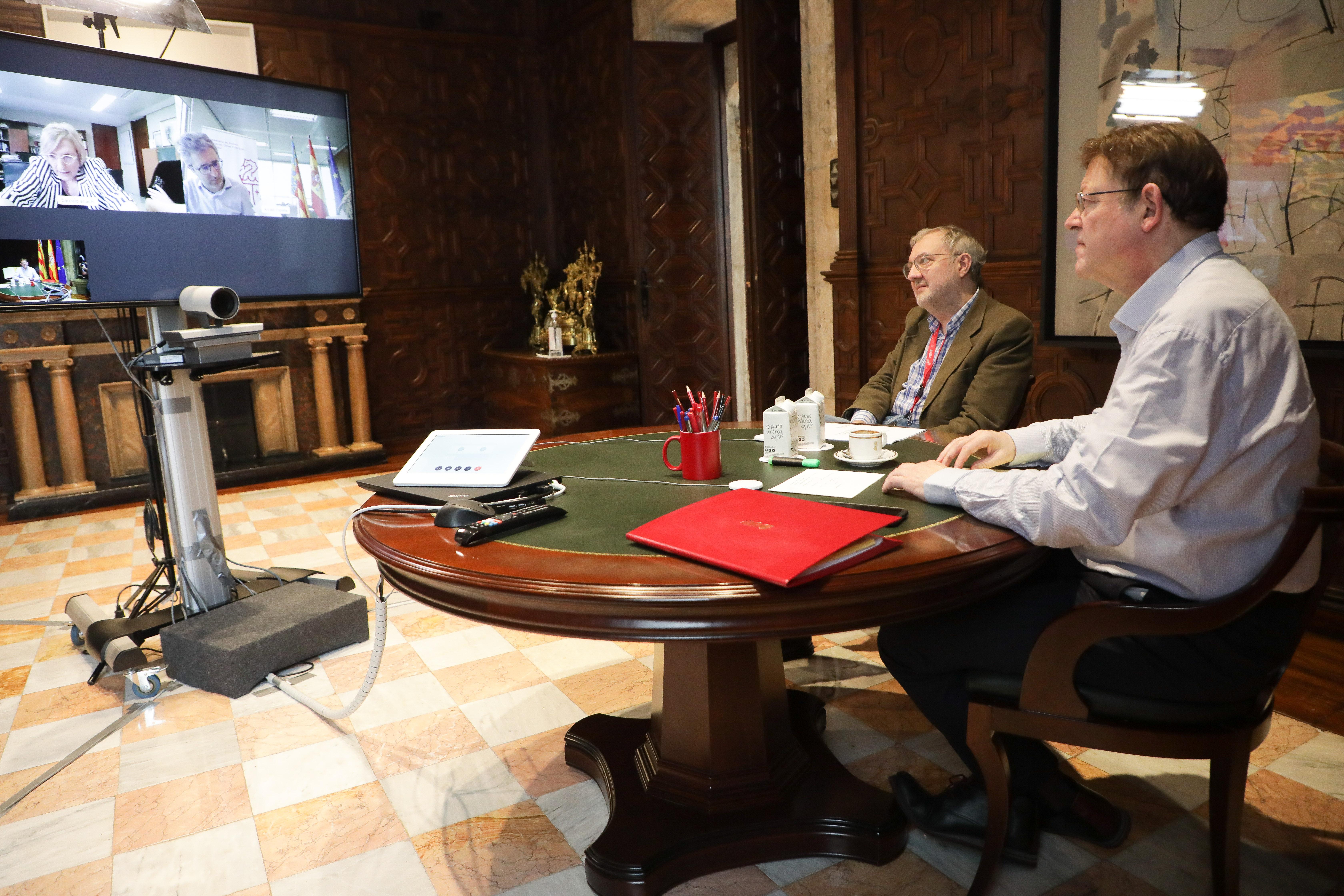 Ximo Puig mantiene una reunión con la consellera de Sanidad Universal preparatoria del Consejo Interterritorial del Sistema Nacional de Salud