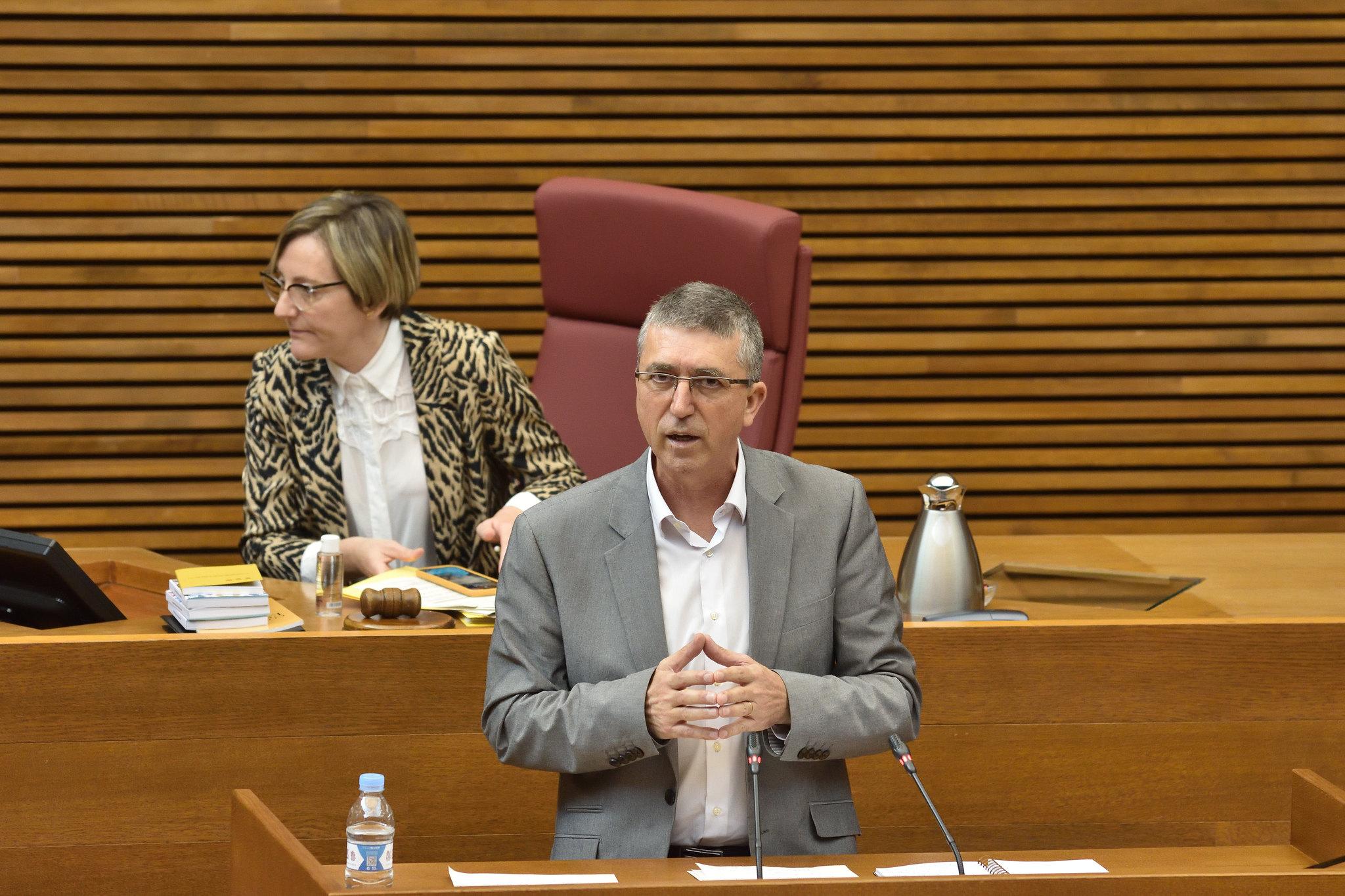 Climent anuncia dos nuevas líneas de ayudas para la contratación pública en ayuntamientos y para el mantenimiento del empleo en las empresas