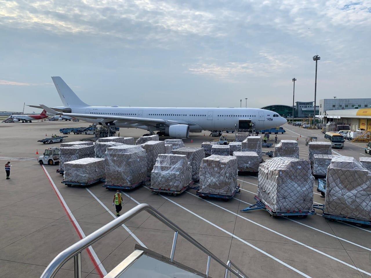Llega a València material sanitario para la Comunitat Valenciana de dos nuevos vuelos procedentes de China