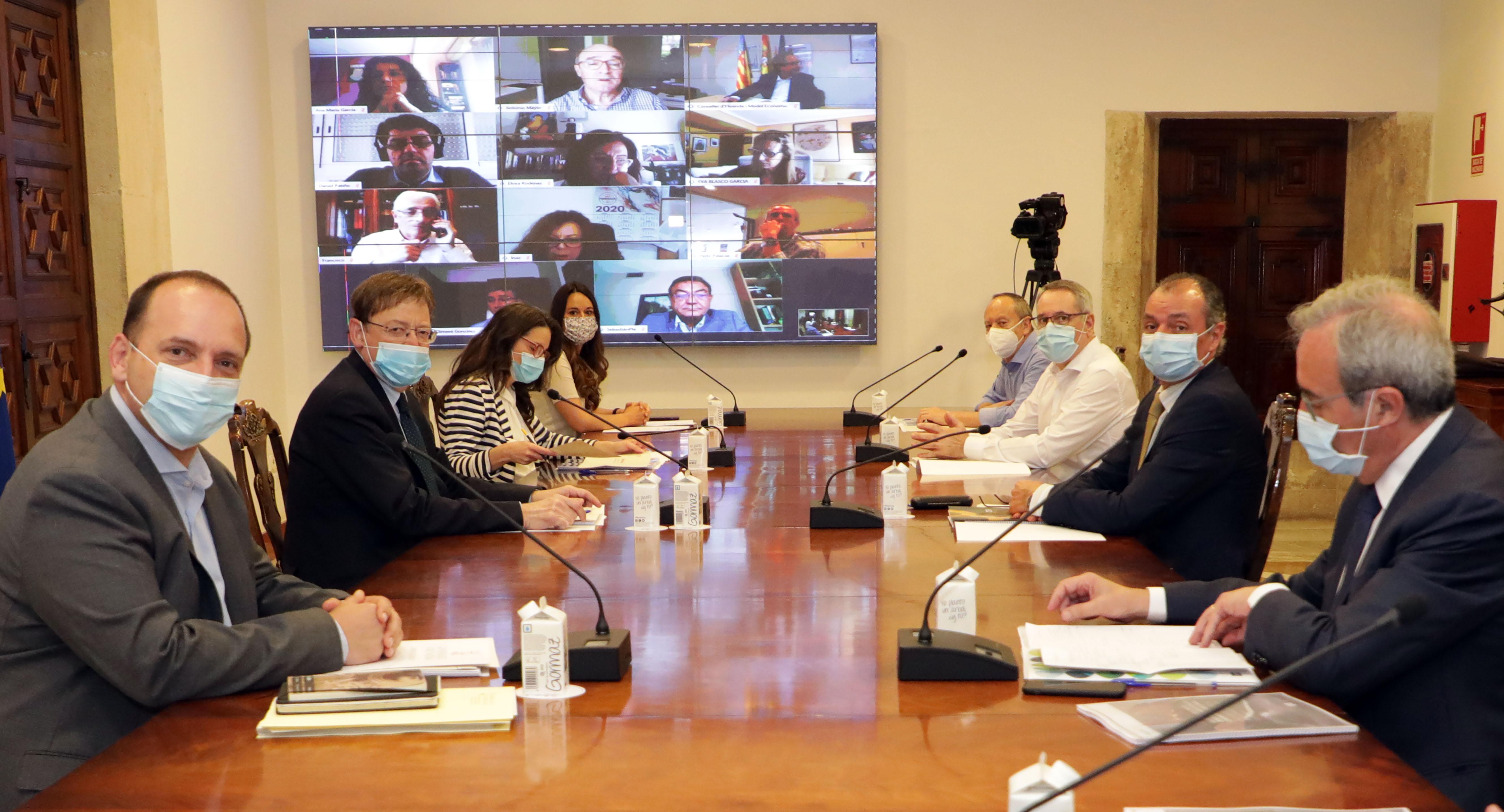 """Ximo Puig aboga por el diálogo social para avanzar en un gran acuerdo que permita """"salir unidos y fuertes"""" de la crisis con el objetivo fundamenta..."""