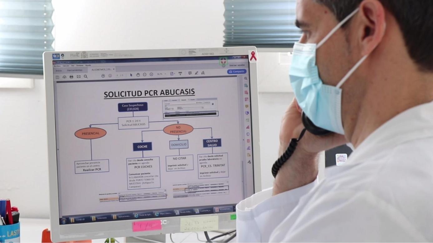 Professionals de Sanitat treballen per a la detecció precoç i el rastreig dels casos de coronavirus