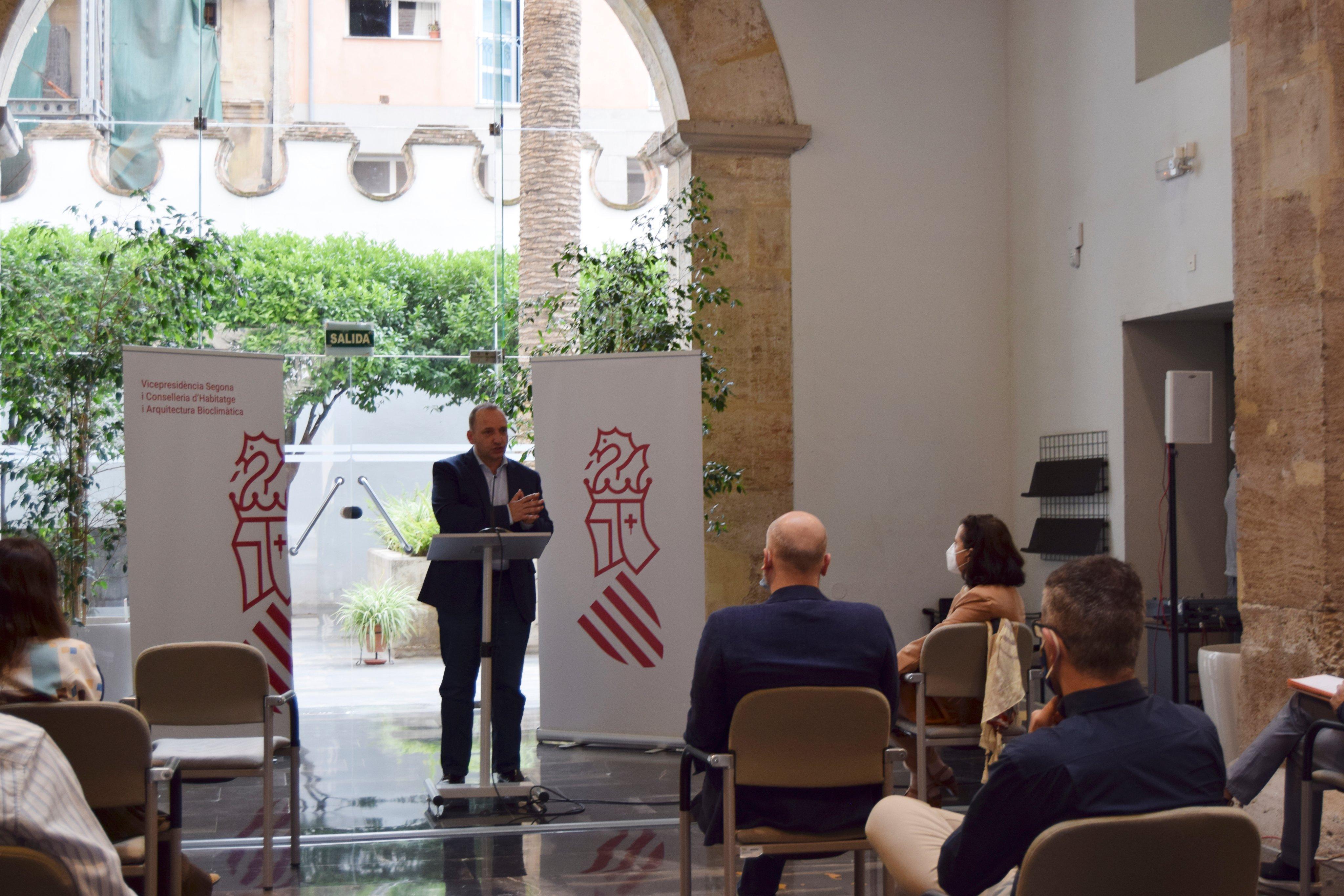 """Martínez Dalmau presenta el proyecto """"Save the homes"""" que prevé la ventanilla única para rehabilitación energética"""