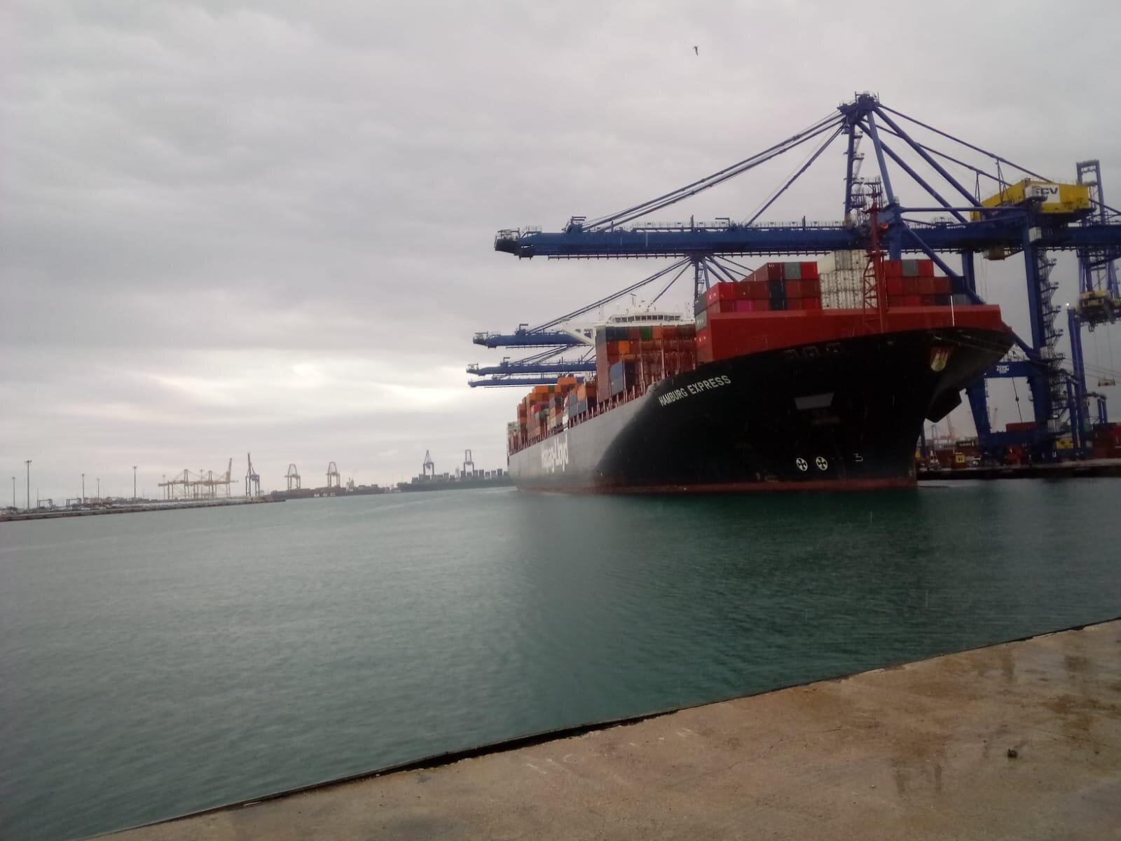 Llega a València por vía aérea y marítima material sanitario de China para abastecer a la Comunitat en la lucha contra la pandemia