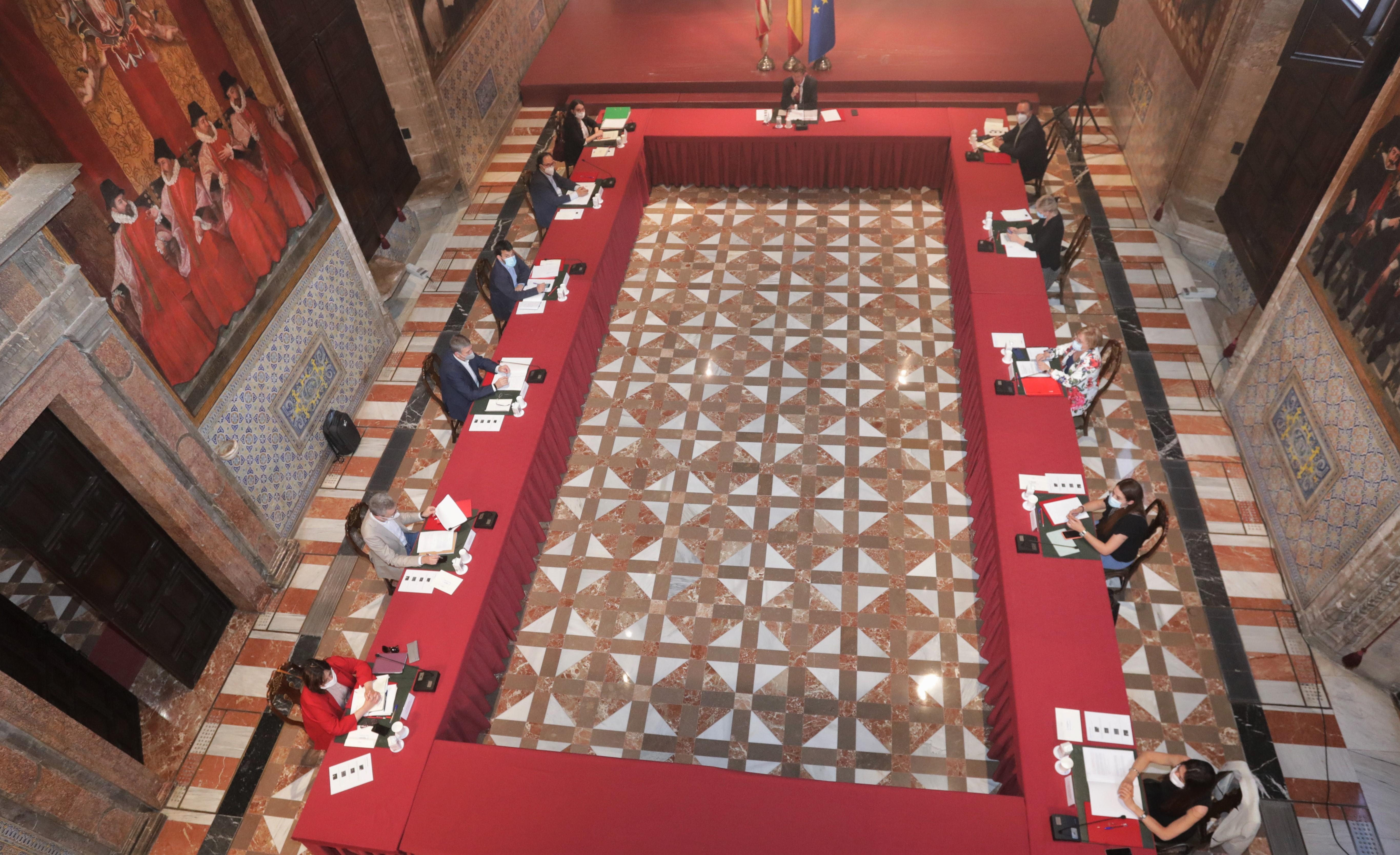 """Ximo Puig s""""ha reunit amb els consellers i les conselleres per a abordar el procés de desescalada"""